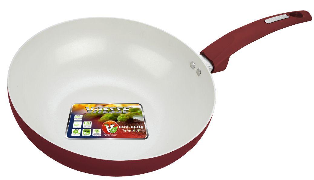 Сковорода-вок Vitesse Athena, с керамическим покрытием, цвет: бордовый. Диаметр 28 смVS-2235Сковорода-вок Vitesse Athena изготовлена из высококачественного алюминия. Внешнее цветное термостойкое покрытие обеспечивает легкую чистку. Внутреннее керамическое покрытие Eco-Cera белого цвета абсолютно безопасно для здоровья человека и окружающей среды, так как не содержит вредной примеси PFOA и имеет низкое содержание CO в выбросах при производстве. Керамическое покрытие обладает высокой прочностью, что позволяет готовить при температуре до 450°С и использовать металлические лопатки. Кроме того, с таким покрытием пища не пригорает и не прилипает к стенкам. Готовить можно с минимальным количеством подсолнечного масла. Сковорода быстро разогревается, распределяя тепло по всей поверхности, что позволяет готовить в энергосберегающем режиме, значительно сокращая время, проведенное у плиты.Сковорода оснащена термостойкой ненагревающейся ручкой удобной формы, выполненной из бакелита с эффектом Soft-Touch. Можно использовать на газовых, электрических, стеклокерамических, галогенных, чугунных конфорках. Можно мыть в посудомоечной машине. Диаметр: 28 см.Высота стенки: 8 см. Толщина стенки: 2,5 мм. Толщина дна: 5 мм. Длина ручки: 19 см.