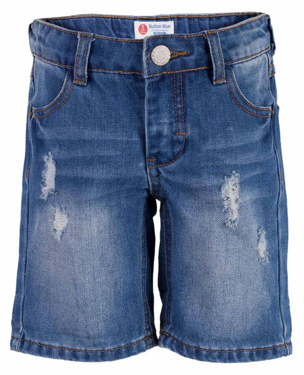 Шорты для мальчика Button Blue Main, цвет: голубой. 117BBBC6003D200. Размер 98, 3 года117BBBC6003D200Классные джинсовые шорты с потертостями, варкой и повреждениями - прекрасное решение на каждый день. И дома, и в лагере, и на спортивной площадке эти шорты для мальчика обеспечат комфорт и соответствие модным трендам. Купить недорого детские шорты от Button Blue, значит, сделать каждый летний день ребенка радостным и беззаботным!
