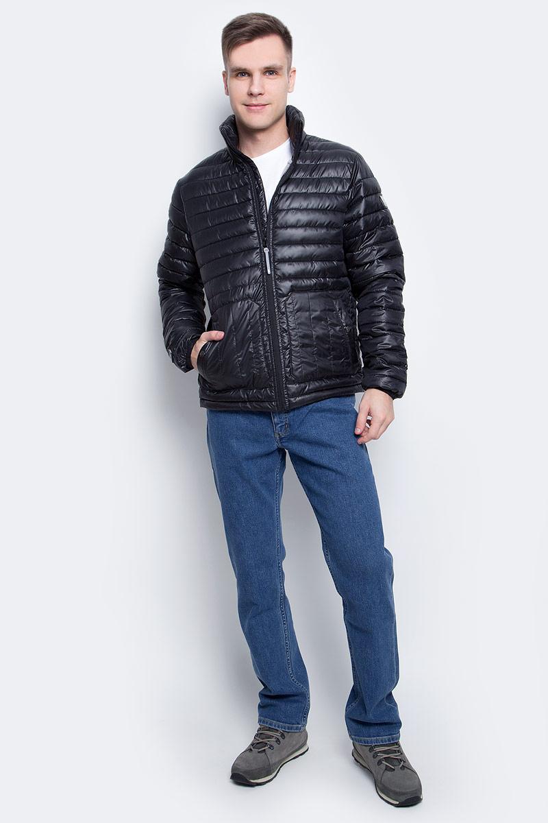 Куртка мужская Icepeak, цвет: черный. 756055877XV_990. Размер XL (54)756055877XV_990Мужская куртка с подкладкой Icepeak выполнена из качественного полиэстера. Модель с длинными рукавами застегивается на застежку-молнию. Изделие дополнено двумя накладными карманами на кнопках.