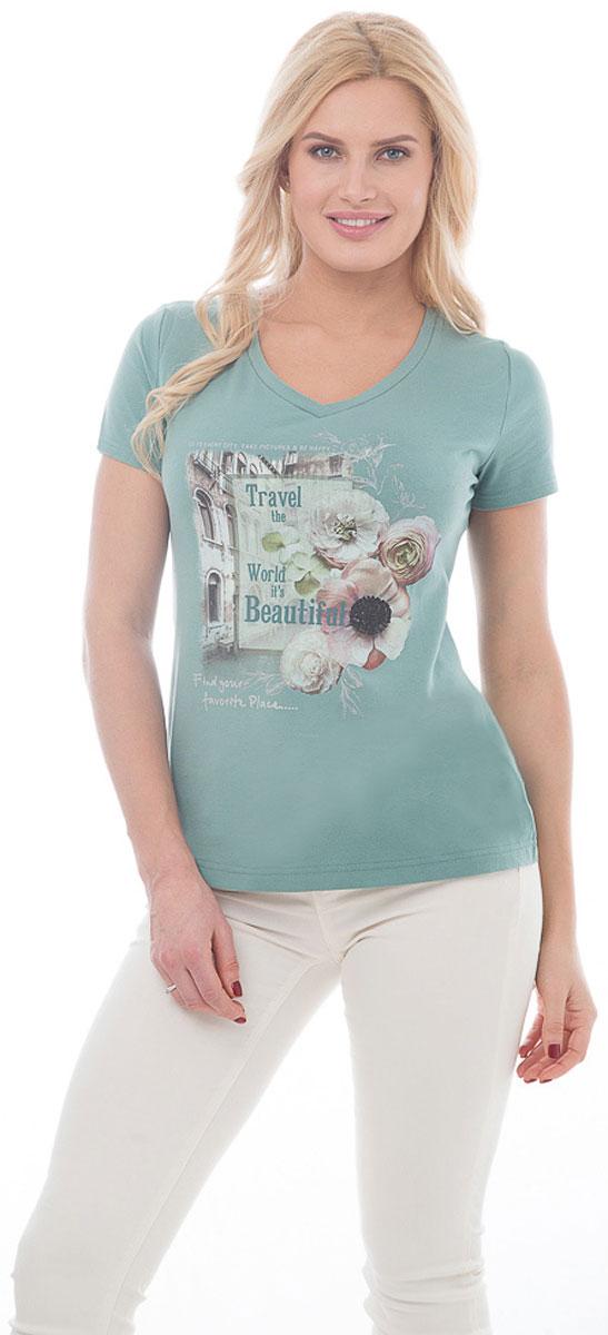 Футболка женская BeGood, цвет: мятный. BGUZ-966. Размер 50BGUZ-966Женская футболка BeGood изготовлена из высококачественного эластичного хлопка. Модель с короткими рукавами и V-образным вырезом горловины спереди украшена принтом с изображением цветов и надписей на фоне городского пейзажа. Такая футболка великолепно дополнит летний гардероб и поможет вам создать современный динамичный образ.