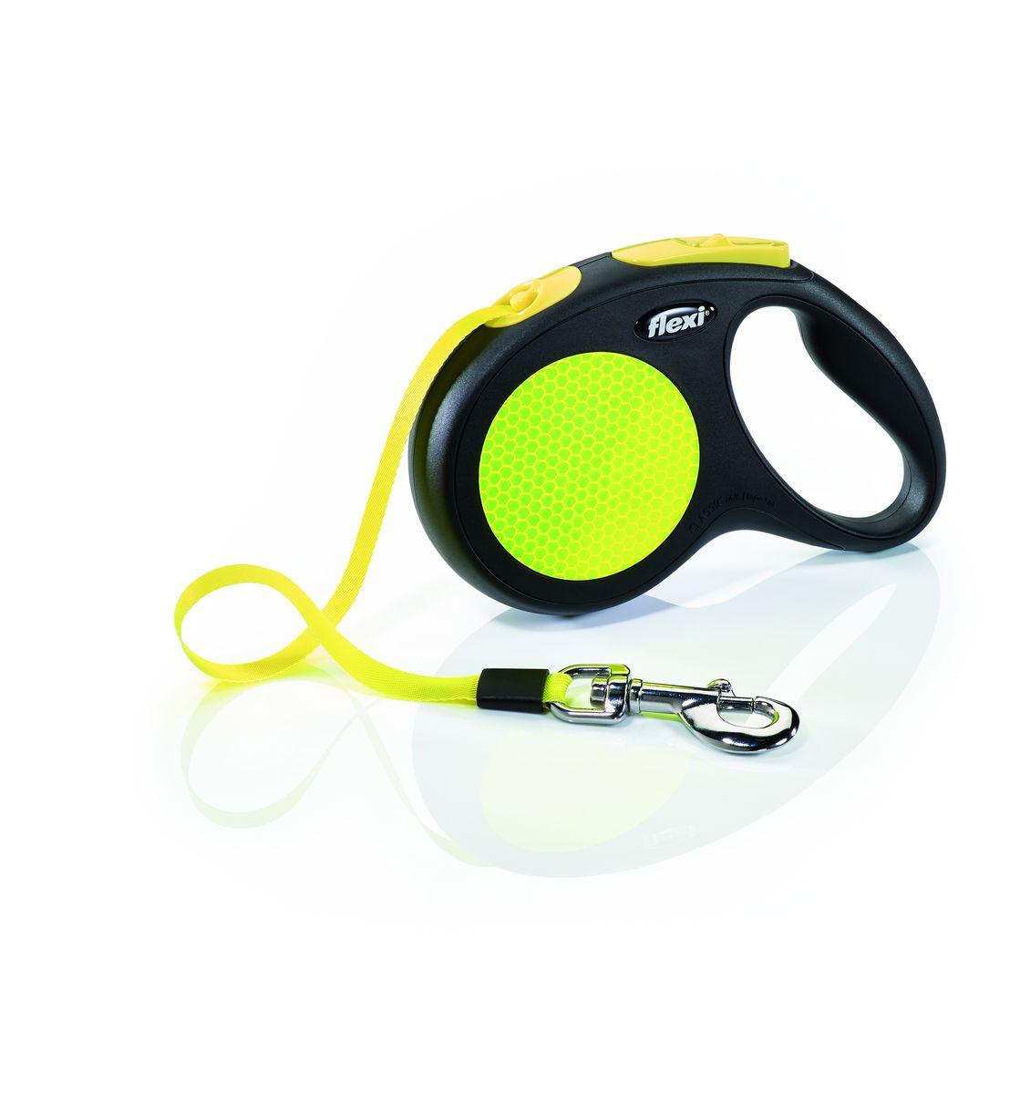 Поводок-рулетка Flexi Neon New Classic М-L, лента, для собак весом до 50 кг, 5 м23525Ленточный поводок-рулетка предназначен для выгула собак весом до 50 кг. - обновленная эргономичная кнопка системы торможения- запатентованная тормозная система - надежный карабин- светоотражающая наклейка на корпусе рулетки- яркий трос неонового цвета хорошо заметен в сумерки и туманЗапатентованая система сматывания и фиксации длины — дополнительное удобство, помогающее контролировать поведение животного.Корпус рулетки выполнен из ударопрочного пластика. Рулетка очень легка в применении, принесет вам еще большую радость от моментов, проведенных с любимцем.
