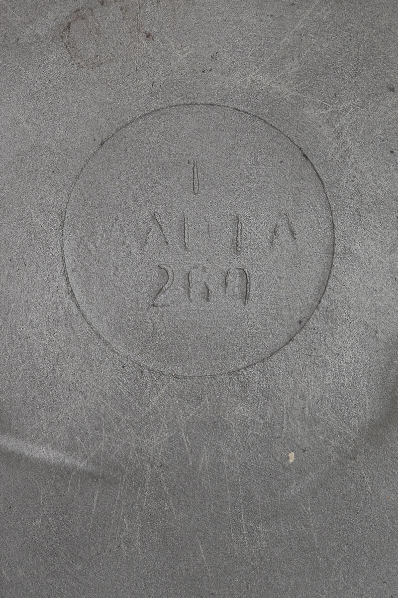 """Сковорода Алита """"Дарья"""" изготовлена из высококачественного литого алюминия с двусторонним антипригарным покрытием. Такое покрытие  исключает прилипание и пригорание пищи к поверхности посуды, обеспечивает легкость мытья посуды, исключает необходимость использования  большого количества масла, что способствует приготовлению здоровой пищи с пониженной калорийностью.   Сковорода подходит для газовых  и электрических плит. Можно мыть в посудомоечной машине.  Диаметр сковороды (по верхнему краю): 26 см. Высота стенки: 4 см."""