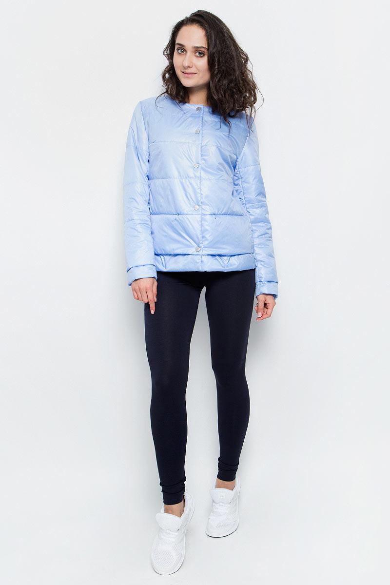 Куртка женская Grishko, цвет: сиренево-голубой. AL-3120. Размер S (44)AL-3120Необыкновенно женственная стеганая куртка Grishko утеплена тонким холлофайбером. Застегивается модель на кнопки, имеется круглый воротник, позволяющий эффектно подчеркнуть его платком. Прорезные карманы на талии делают модель абсолютно универсальной вещью в гардеробе любой модницы. Куртка прекрасно смотрится и с платьем и с джинсами, что делает ее незаменимой для городских будней и беззаботных выходных в новом весенне-летнем сезоне. Холлофайбер - это утеплитель, который отличается повышенной теплоизоляцией, антибактериальными свойствами, долговечностью в использовании,и необычайно легок в носке и уходе. Изделия легко стираются в машинке, не теряя первоначального внешнего вида.