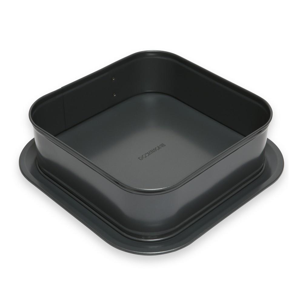 Форма для торта Dosh Home Fornax, раскладная, квадратная, с антипригарным покрытием, 24 х 24 см300121Раскладная форма Dosh Home Fornax идеально подходит для приготовления торта или пирога, имеет очень прочное антипригарное покрытие, которое препятствует пригоранию. Широкое съёмное дно, с увеличенными краями, препятствует вытеканию массы из формы. Это позволяет легко украшать и сервировать торт или пирог. Подходит для электрических, газовых и конвекционных духовок. Можно мыть в посудомоечной машине.Размер: 24 х 24 см.