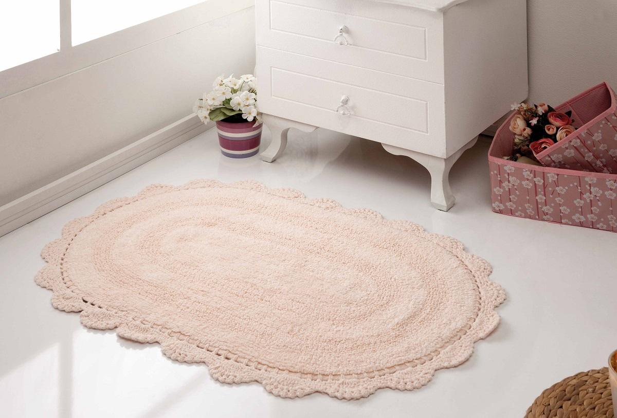 """Коврики для ванной """"Karna"""" изготовлены из 100% хлопка.Махровое изделие отлично впитывает воду и быстро сохнет. На впитывающие качества махры (ее гигроскопичность) влияет состав волокон. Махра абсолютно не аллергенна, имеет высокую воздухопроницаемость и долгий срок использования ткани."""