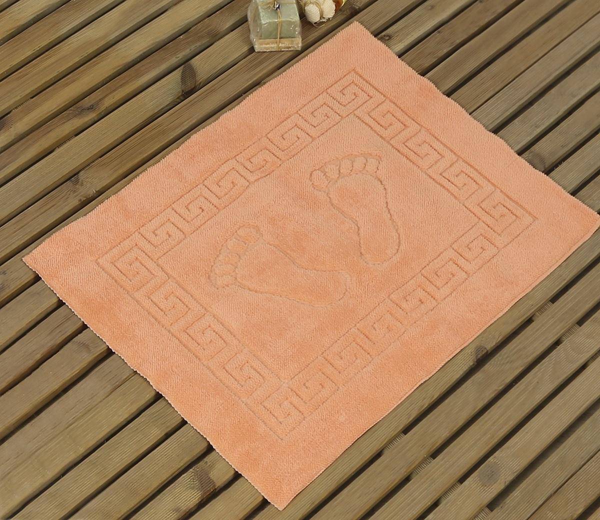 Коврик для ванной Karna Likya, цвет: абрикосовый, 50 х 70 см631/CHAR009Коврик Karna сделан из 100% полиэстера. Полиэстер является синтетическим волокном. Ткань, полностью изготовленная из полиэстера, даже после увлажнения, очень быстро сохнет. Изделия из полиэстера практически не требовательны к уходу и обладают высокой устойчивостью к износу. Изделия из полиэстера не мнутся и легко стираются, после стирки очень быстро высыхают. Материал очень прочный, за время использования не растягивается и не садится. А также обладает высокой влагонепроницаемостью.