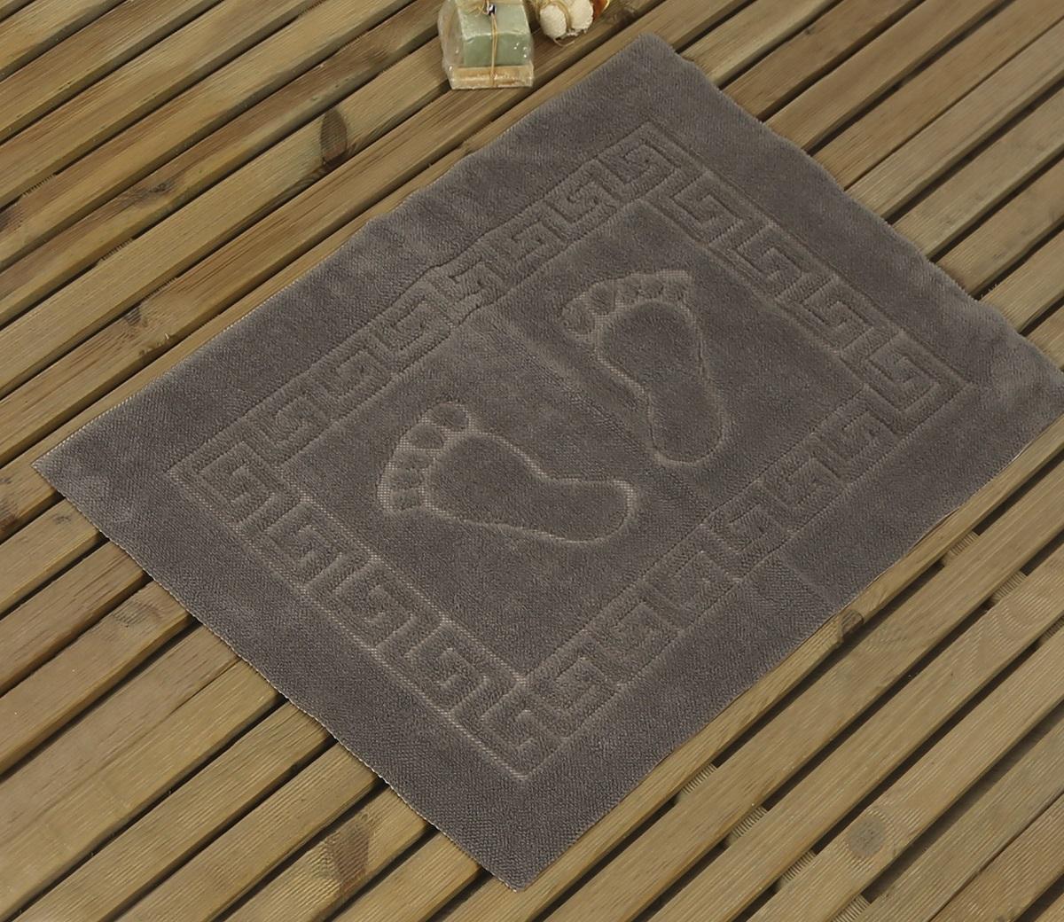 Коврик для ванной Karna Likya , цвет: серый, 50 х 70 см631/CHAR011Коврик печатный Karna сделан из 100% полиэстера. Полиэстер является синтетическим волокном. Ткань, полностью изготовленная из полиэстера, даже после увлажнения, очень быстро сохнет. Коврик из полиэстера практически не требователен к уходу и обладает высокой устойчивостью к износу.Коврик из полиэстера не мнётся и легко стирается, после стирки очень быстро высыхает. Материал очень прочный, за время использования не растягивается и не садится. А так же обладает высокой влагонепроницаемостью.Размер: 50 х 70 см.