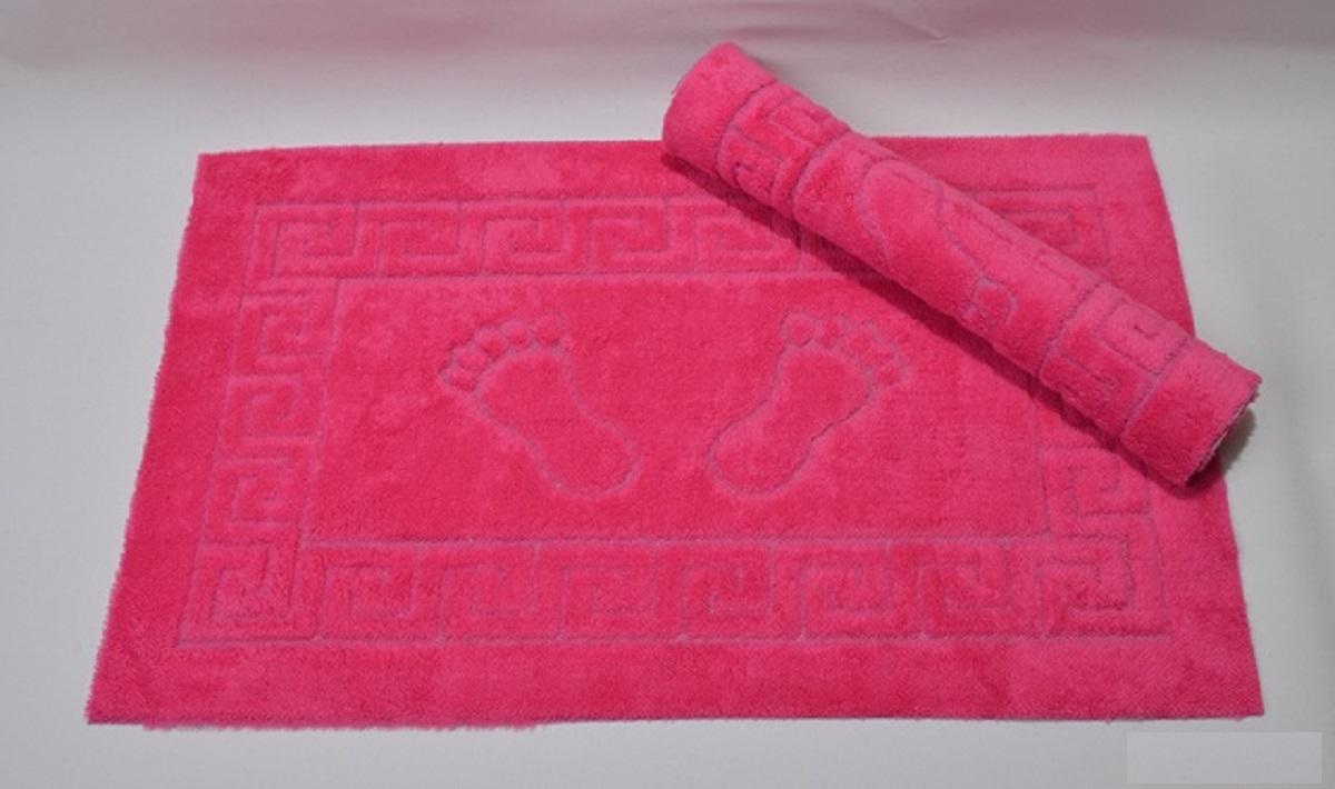 Коврик для ванной Karna Likya , цвет: фуксия, 50 х 70 см631/CHAR012Коврик печатный Karna сделан из 100% полиэстера. Полиэстер является синтетическим волокном. Ткань, полностью изготовленная из полиэстера, даже после увлажнения, очень быстро сохнет. Коврик из полиэстера практически не требователен к уходу и обладает высокой устойчивостью к износу.Коврик из полиэстера не мнётся и легко стирается, после стирки очень быстро высыхает. Материал очень прочный, за время использования не растягивается и не садится. А так же обладает высокой влагонепроницаемостью.Размер: 50 х 70 см.