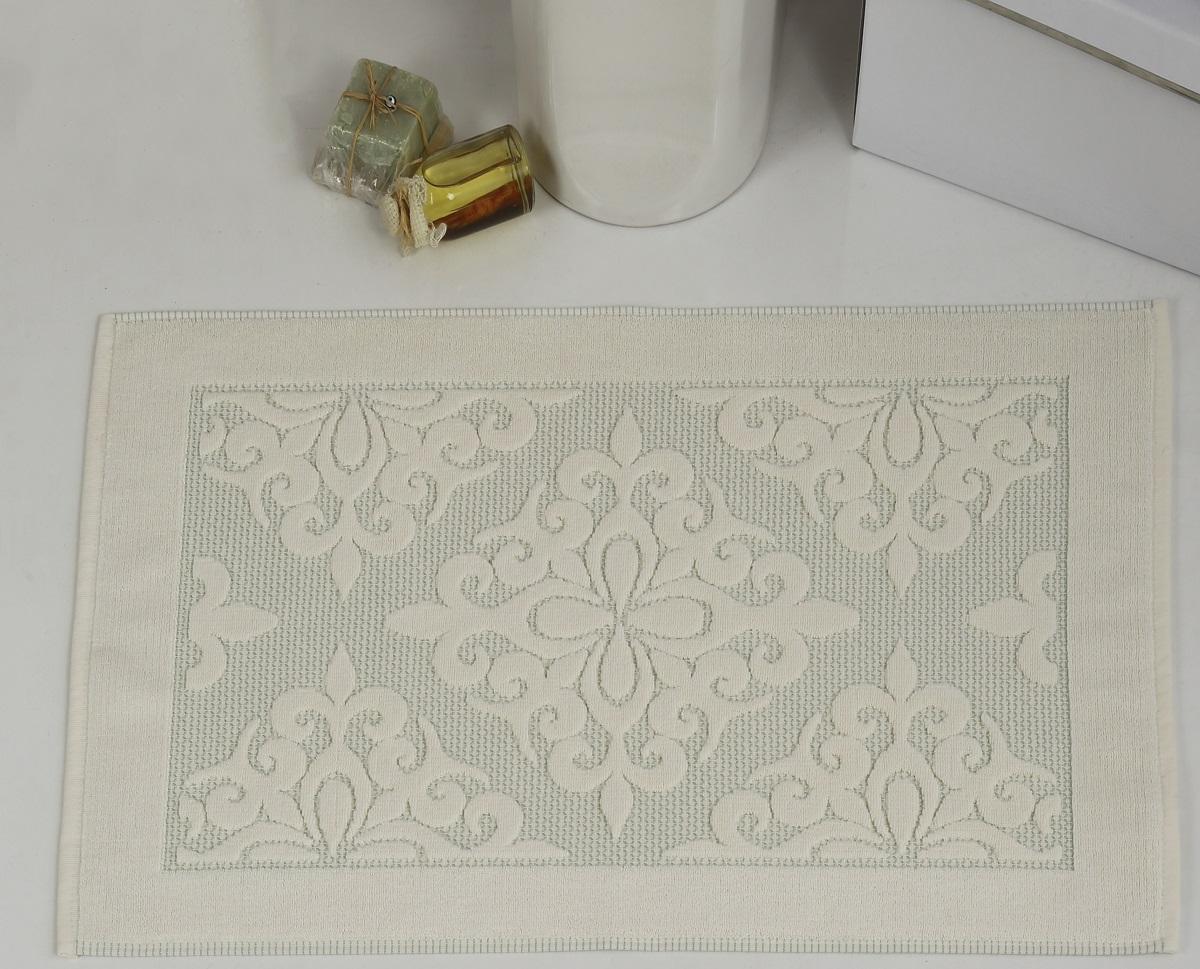Коврик для ванной Karna выполнен из высококачественного хлопкового волокна. Изделие имеет рельефный рисунок. Высочайшее качество материала гарантирует безопасность для всех членов семьи. Коврик не аллергенен, имеет высокую воздухопроницаемость и долгий срок использования ткани.