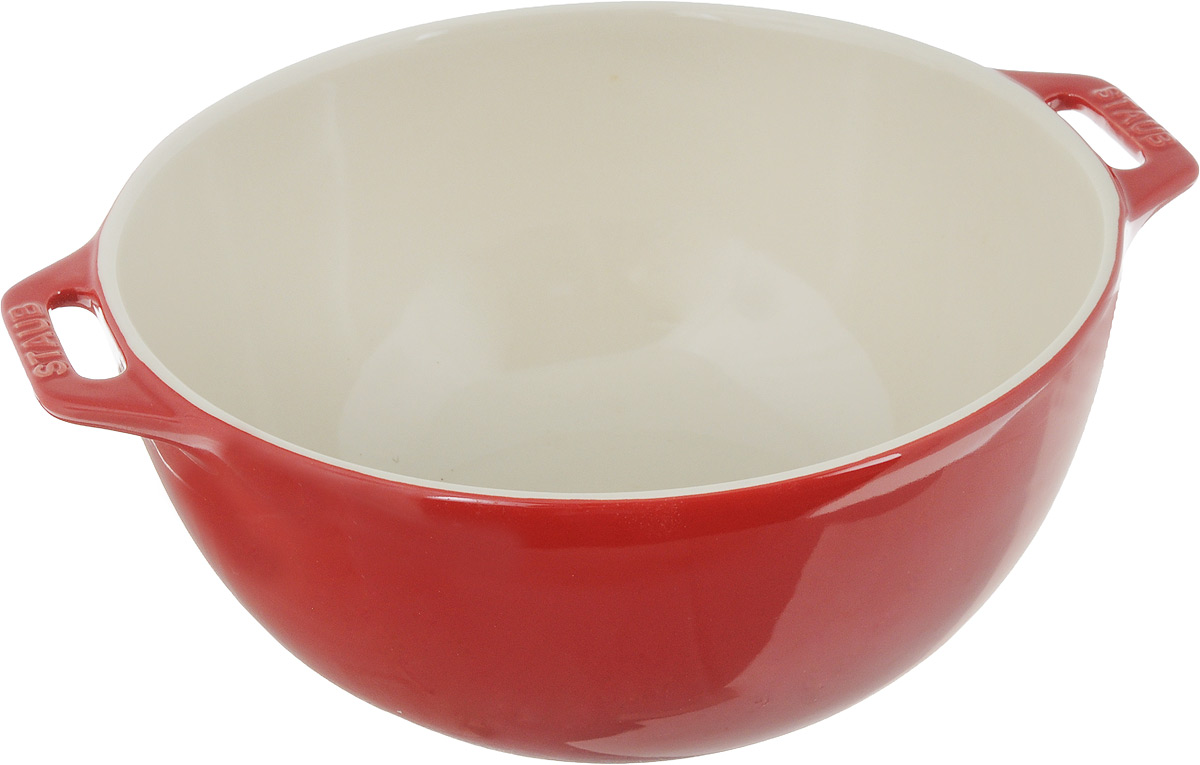 Миска Staub, цвет: вишневый, диаметр 25 см40510-797Миска Staub изготовлена из керамики покрытой эмалью. Красивая керамическая миска сможет стать привлекательной частью сервировки вашего стола. Кроме того, в ней вы сможете смешать различные ингредиенты во время приготовления блюд. При приготовлении мяса, рыбы, овощей и т. п. в посуде бренда Staub не только сохраняются все полезные вещества, но и придаются особые вкусовые качества приготовляемой пищи.Подходит для приготовления блюд в духовке или микроволновой печи.Можно мыть в посудомоечной машине. Диаметр миски: 25 см.
