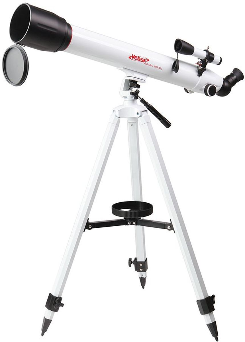 Veber 700/70 AZ PolarStar телескоп23261Телескоп Veber Polar Star 700/70 AZ - это линзовый телескоп (рефрактор), который дает четкое и контрастное изображение, хорошо подходит для путешествий.Ахроматический объектив диаметром 70 мм с просветлением, собирает в два раза больше света, чем 50 мм и позволяет наблюдать не только небесные, но и земные объекты. Картинка резкая, без окрашенности изображения по краю поля зрения. В этот телескоп вы сможете увидеть детали на дисках планет, кратеры Луны размером 5x6 км, многие туманности и звездные скопления (вплоть до 12 м звездной величины). Для земных наблюдений рекомендуется использовать окуляр К-20, с которым увеличение телескопа будет 35x, при этом ближняя точка фокусировки составит 12,5 м.Этот телескоп дает прямое (не перевернутое) изображение. Наличие в окулярном блоке оборачивающей призмы (а не диагонального зеркала, как в аналогичных моделях других фирм), делает изображение не зеркальным (где левое и правое меняются местами), а таким, каким обычно вы видите его невооруженным глазом. Для удобства наблюдения (из положения стоя или сидя), окулярную часть вместе с призмой можно поворачивать, 8 фиксированных положений.С помощью искателя (входит в комплект, увеличение 6х, крепится к телескопу) можно быстро навестись на цель наблюдения.Телескоп снабжен азимутальной монтировкой AZ (металл) белого цвета. Такой монтировкой удобнее пользоваться, если вы наблюдаете наземные объекты. Всего одна ручка позволяет управлять прибором и по вертикали и по горизонтали. Имеется фиксатор найденного положения.Телескоп поставляется с алюминиевым штативом с возможностью регулировки высоты. Распорки для ножек служат не только для повышения устойчивости, но и в качестве подставки под полочку для аксессуаров (идет в комплекте). Сумка для переноски, в которую укладывается весь комплект, позволяет безопасно (для оптики и внешнего вида) транспортировать прибор для выездов на природу