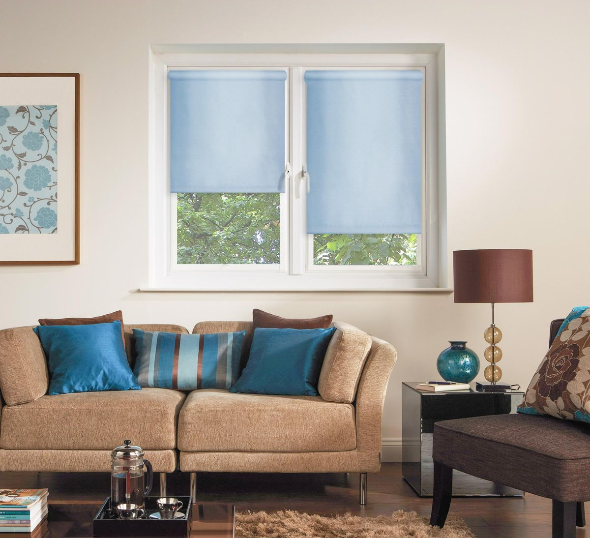 Штора рулонная Эскар, цвет: голубой, ширина 80 см, высота 170 см81005080170Рулонными шторами можно оформлять окна как самостоятельно, так и использовать в комбинации с портьерами. Это поможет предотвратить выгорание дорогой ткани на солнце и соединит функционал рулонных с красотой навесных.Преимущества применения рулонных штор для пластиковых окон:- имеют прекрасный внешний вид: многообразие и фактурность материала изделия отлично смотрятся в любом интерьере; - многофункциональны: есть возможность подобрать шторы способные эффективно защитить комнату от солнца, при этом о на не будет слишком темной. - Есть возможность осуществить быстрый монтаж. ВНИМАНИЕ! Размеры ширины изделия указаны по ширине ткани!Во время эксплуатации не рекомендуется полностью разматывать рулон, чтобы не оторвать ткань от намоточного вала.В случае загрязнения поверхности ткани, чистку шторы проводят одним из способов, в зависимости от типа загрязнения: легкое поверхностное загрязнение можно удалить при помощи канцелярского ластика; чистка от пыли производится сухим методом при помощи пылесоса с мягкой щеткой-насадкой; для удаления пятна используйте мягкую губку с пенообразующим неагрессивным моющим средством или пятновыводитель на натуральной основе (нельзя применять растворители).