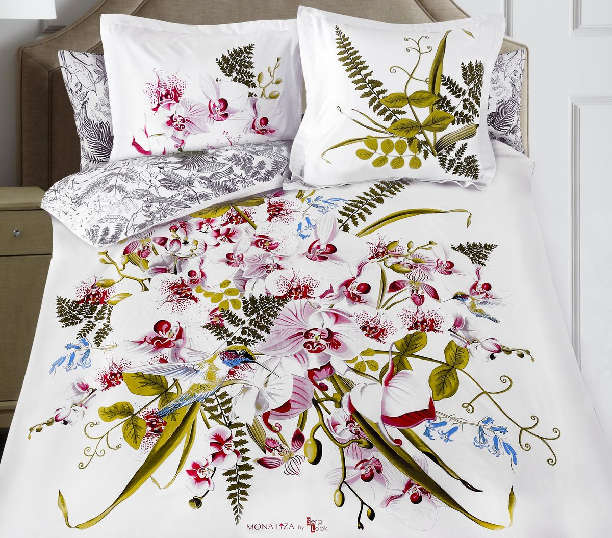 Комплект белья Mona Liza Orchid, евро, наволочки 50x70, 70x709/5Флоральные мотивы редких экзотических цветов, переведенные в паттерн, позаимствованы из путешествий по тропическим лесам, будоражат воображение природными сочетаниями цветовых палитр и роскошью принтов. Коллекция принесет в ваш дом незабываемое настроение и добавит колорит. Высококачественный сатин окутает и позволит раствориться в мечтах о дальних жарких странах и окунуться во время вечного лета!