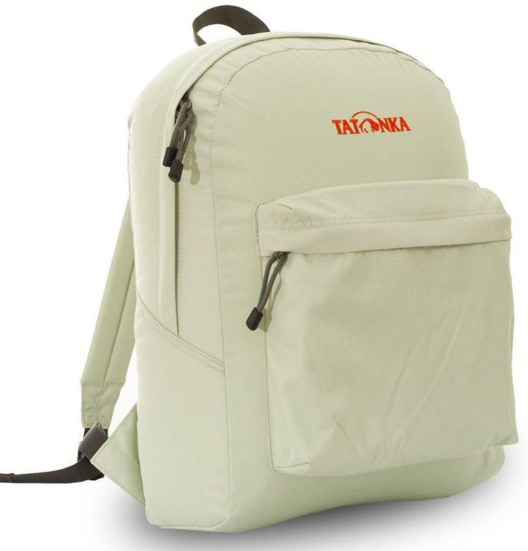 Рюкзак городской Tatonka Hunch Pack, цвет: бежевый, 22 лDI.6280.180Классический городской рюкзак Tatonka Hunch Pack изготовлен из прочного материала на основе полиэфирного волокна (600 ден), который обладает прочностью, стойкостью к истиранию и выцветанию и универсальностью применения. В рюкзаке используются молнии YKK RC Zipper, которые надежно защищены от внешних воздействий. Эти молнии специально разработаны для рюкзаков и другого багажа, когда на первый план выходят надежность и высокая производительность.Мягкие уплотненные плечевые лямки регулируются по длине и удобны в любое время года. Регулировка длины лямок займет минуту, а их мягкая внешняя ткань будет комфортна даже летом. Спереди рюкзака расположен просторный накладной карман с встроенным органайзером, в котором удобно хранить все самое необходимое: ручку, блокнот, телефон и многое другое. Также карман подойдет для складного зонтика. Специальная планка защищает молнию кармана от попадания воды, тем самым сохраняя вещи сухими во время непогоды. Вверху рюкзака со стороны спины расположена удобная ручка, за которую рюкзак можно повесить на крючок или же нести в руке.Внутри рюкзак состоит из одного просторного отделения, которое отлично подходит для хранения любых вещей. Собираетесь на прогулку или экскурсию? Возьмите с собой термос, дождевик и влажные салфетки - все это легко поместится в основное отделение. Отправляетесь на учебу? Ноутбук, учебники, тетради и пенал - все удобно разместится в большом отделении рюкзака. Такой рюкзак подойдет тем, кто отправляется на экскурсию или в гости. Все, что нужно, вместится внутрь и доедет в целости и сохранности.