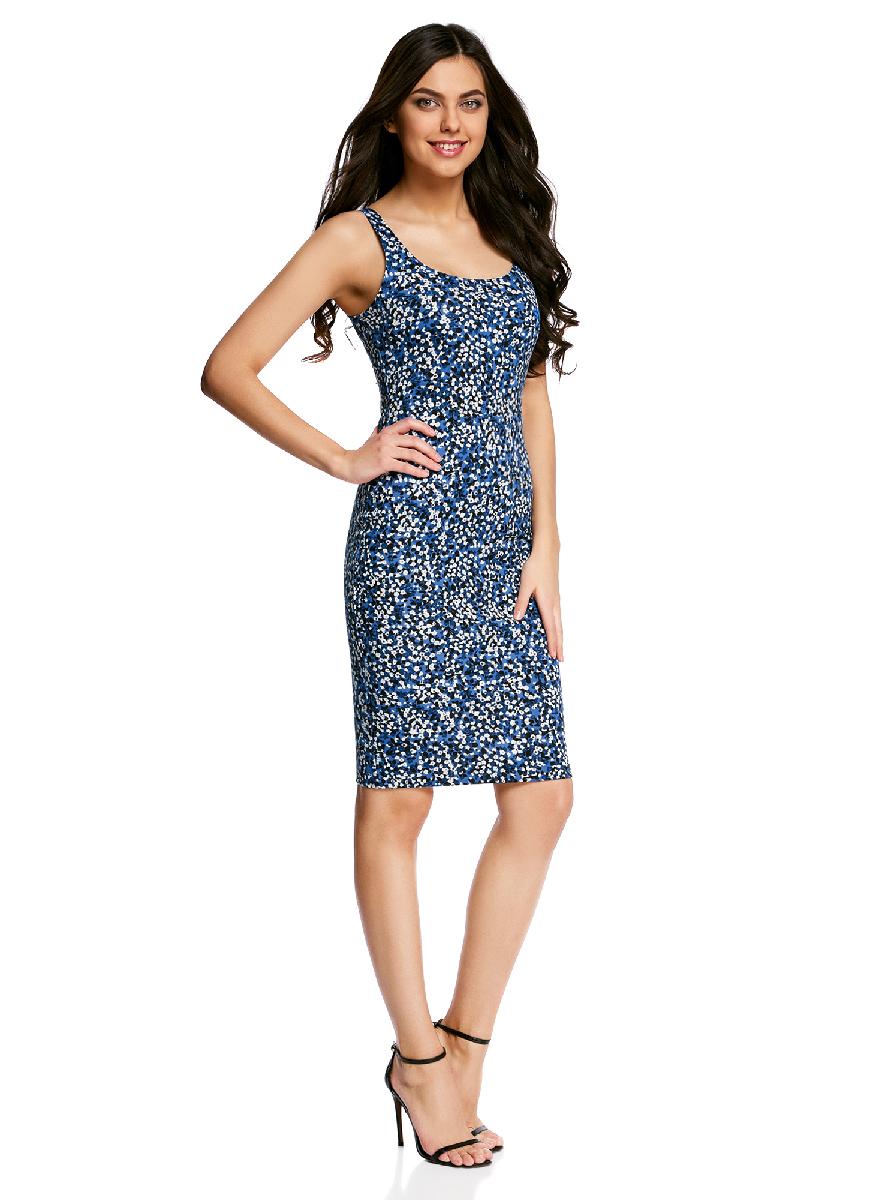 Платье oodji Ultra, цвет: синий, белый. 14015007-3B/37809/7512F. Размер M (46-170)14015007-3B/37809/7512FЛегкое обтягивающее платье oodji Ultra, выгодно подчеркивающее достоинства фигуры, выполнено из качественного трикотажа. Модель миди-длины с круглым вырезом горловины и узкими бретелями оформлена оригинальным узором. Юбка с задней стороны дополнена разрезом.