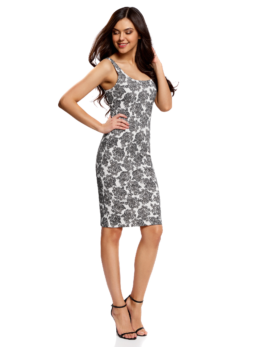 Платье oodji Ultra, цвет: белый, серый. 14015007-3B/37809/1223E. Размер S (44-170)14015007-3B/37809/1223EЛегкое обтягивающее платье oodji Ultra, выгодно подчеркивающее достоинства фигуры, выполнено из качественного трикотажа. Модель миди-длины с круглым вырезом горловины и узкими бретелями оформлена оригинальным узором. Юбка с задней стороны дополнена разрезом.