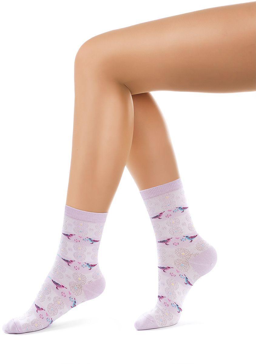 Носки женские Charmante, цвет: лиловый. SCHK-1608. Размер 23 (35/37)SCHK-1608Женские носки Charmante с удлиненным паголенком изготовлены из высококачественного материалаобеспечивающего великолепную посадку. Удобная широкая резинка идеально облегает ногу и не пережимает сосуды, усиленные пятка и мысок повышают износоустойчивость носка.