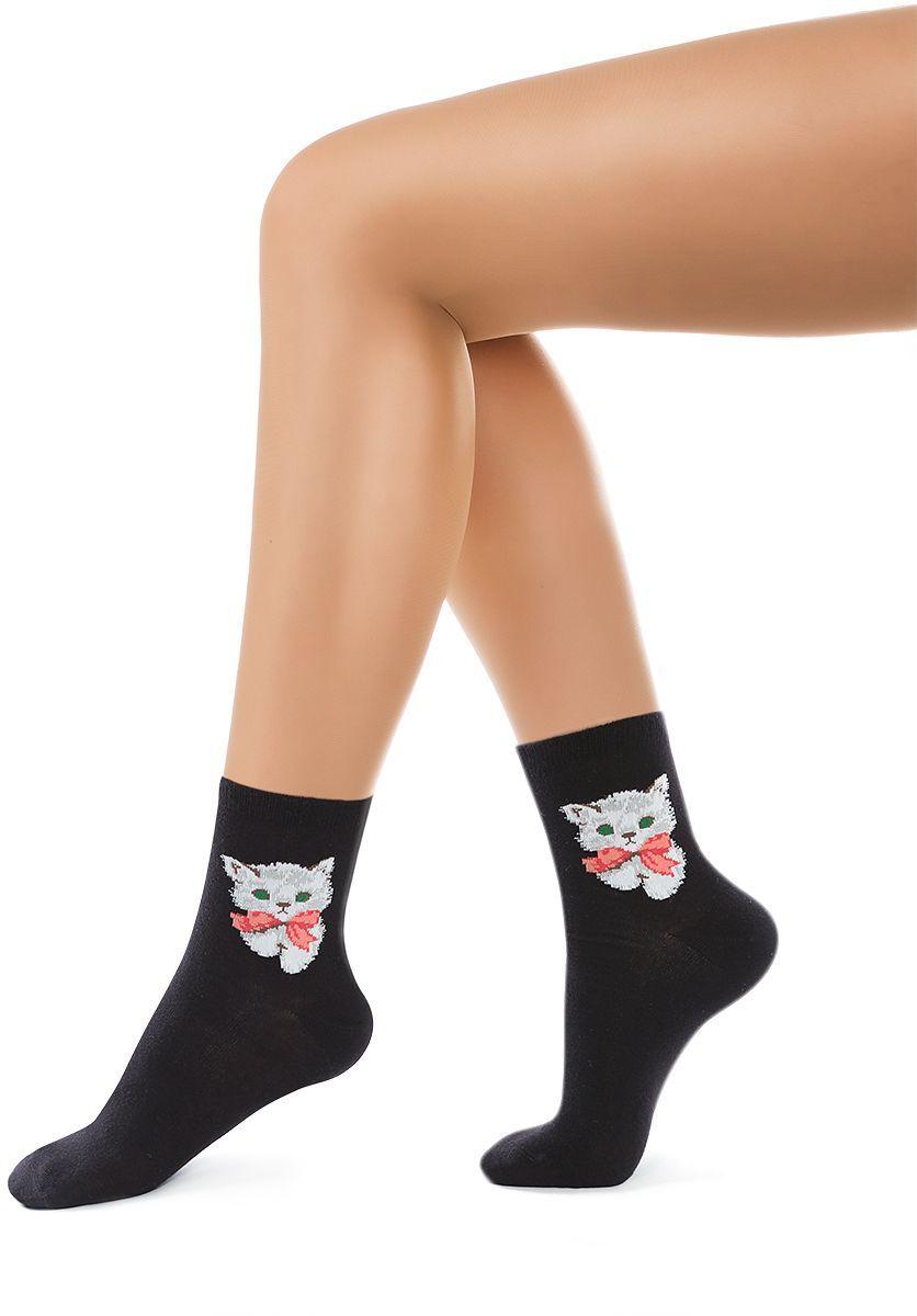 Носки женские Charmante, цвет: черный. SCHK-1614. Размер 23 (35/37)SCHK-1614Женские носки Charmante с удлиненным паголенком изготовлены из высококачественного материалаобеспечивающего великолепную посадку. Удобная широкая резинка идеально облегает ногу и не пережимает сосуды, усиленные пятка и мысок повышают износоустойчивость носка.
