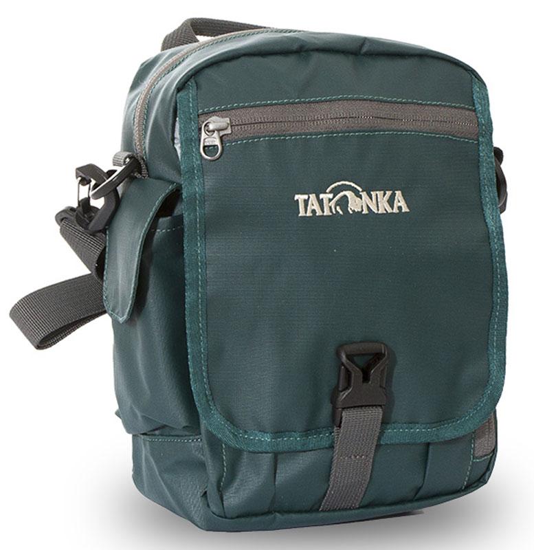 Сумка на плечо Tatonka Check in Clip, цвет: темно-зеленый, 23 x 17 x 8 смDI.2967.190Вместительная дорожная сумка Tatonka Check in Clip, выполненная из водоотталкивающей ткани, подходит для хранения документов и полезных мелочей в путешествии. Такую сумку можно носить как на плече, так и на поясе. Изделие располагает большим основным отделением с двумя молниями, множеством кармашков и мини-органайзером. Крышка-клапан фиксируется фастексом. Особенности:- петли для переноски на поясе;- съемный плечевой ремень; - ручка для переноски; - органайзер; - множество продуманных отделений; - боковой карман для телефона. - фирменный логотип. - водоотталкивающая ткань и прочные молнии.