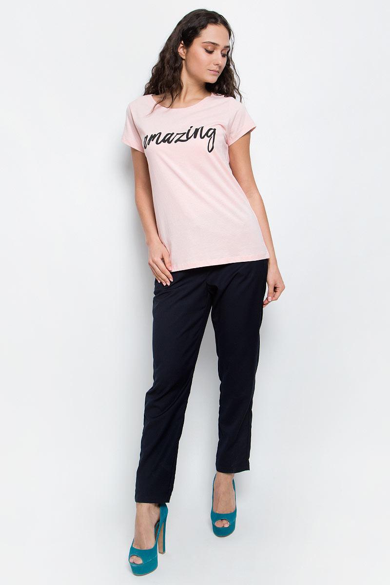 Футболка женская Baon, цвет: нежно-розовый. B237061_Rose Powder. Размер L (48)B237061_Rose PowderСтильная женская футболка Baon изготовлена из натурального хлопка. Материал очень мягкий и приятный на ощупь. Модель прямого кроя с круглым вырезом горловины и короткими рукавами на груди оформлена надписью: Amazing.Такая футболка займет достойное место в вашем гардеробе.