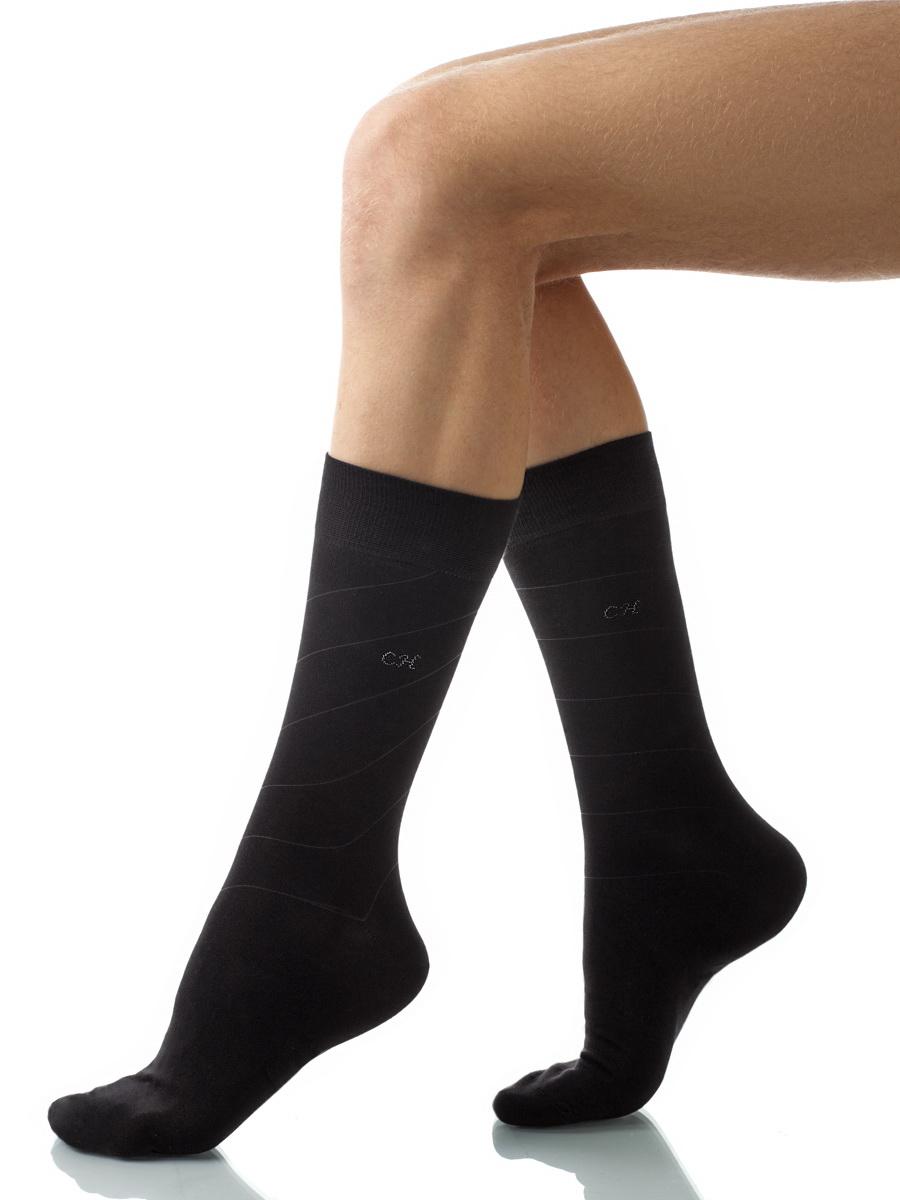 Носки мужские Charmante, цвет: черный. SCHM-1015. Размер 27-29 (42/44)SCHM-1015Мужские носки Charmante с удлиненным паголенком изготовлены из высококачественного материалаобеспечивающего великолепную посадку. Удобная широкая резинка идеально облегает ногу и не пережимает сосуды, усиленные пятка и мысок повышают износоустойчивость носка.