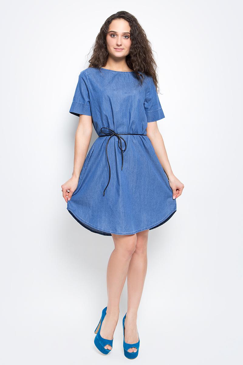 Платье Baon, цвет: светло-синий деним. B457027_Light Blue Denim. Размер L (48)B457027_Light Blue DenimСтильное платье Baon выполнено из легкого эластичного хлопка. Модель свободного кроя с полукруглым низом, круглым вырезом горловины и короткими рукавами подарит вам комфорт в течение всего дня. На талии предусмотрен тонкий поясок из искусственной кожи. В таком платье вы будете выглядеть элегантно и женственно.