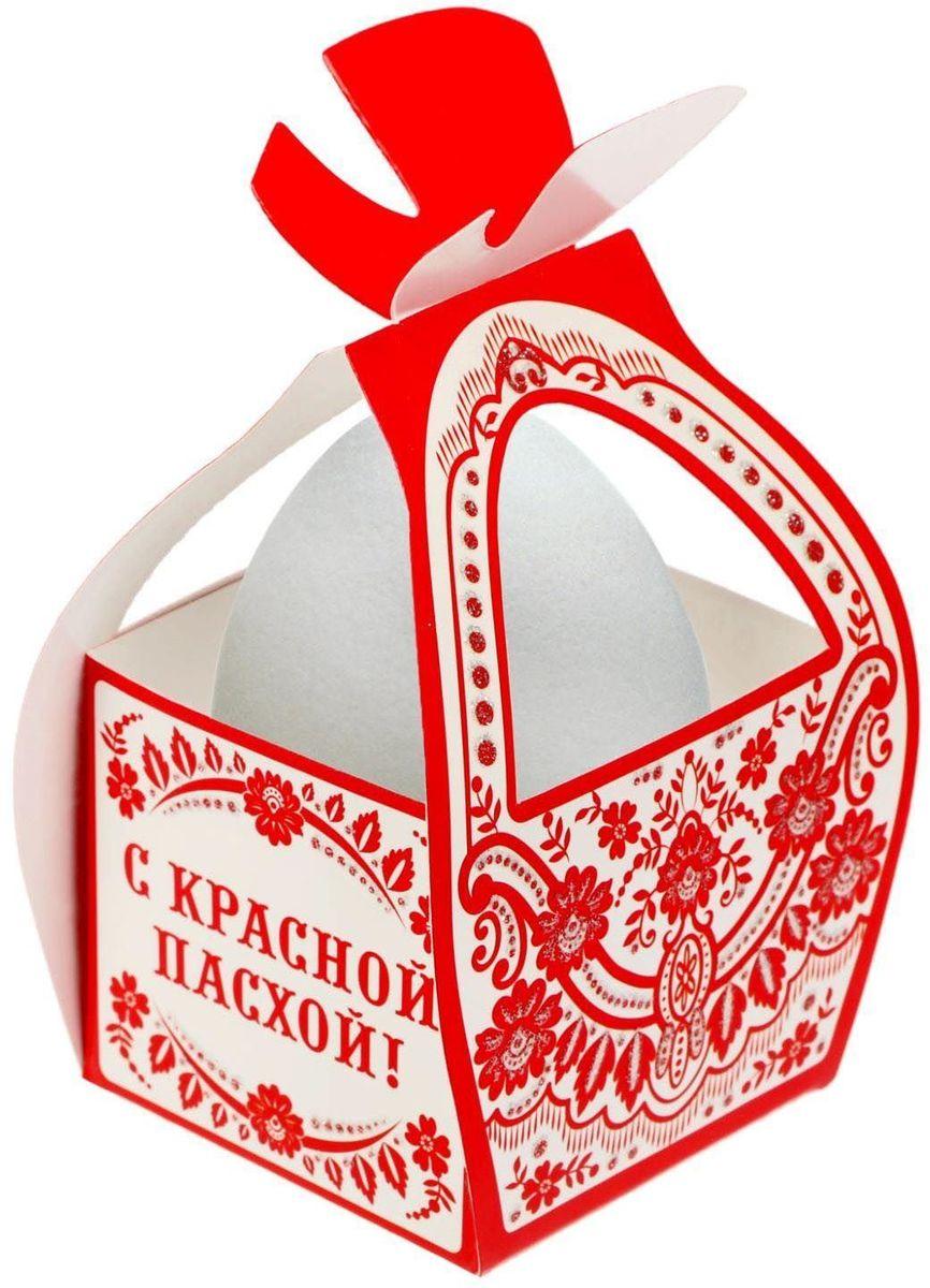 Коробочка подарочная для яйца — новое веяние в мире подарочной упаковки. Представьте, как здорово будет преподнести родным и близким подарки в таком оформлении. Душевный дизайн в народном стиле и пасхальные символы никого не оставят равнодушным. Коробочка надёжна и легка в использовании. Согните её по линиям и положите внутрь заготовленный презент. Благодаря удобной ручке изделие удобно переносить.   Размер заготовки: 13,4 х 26,2 см.