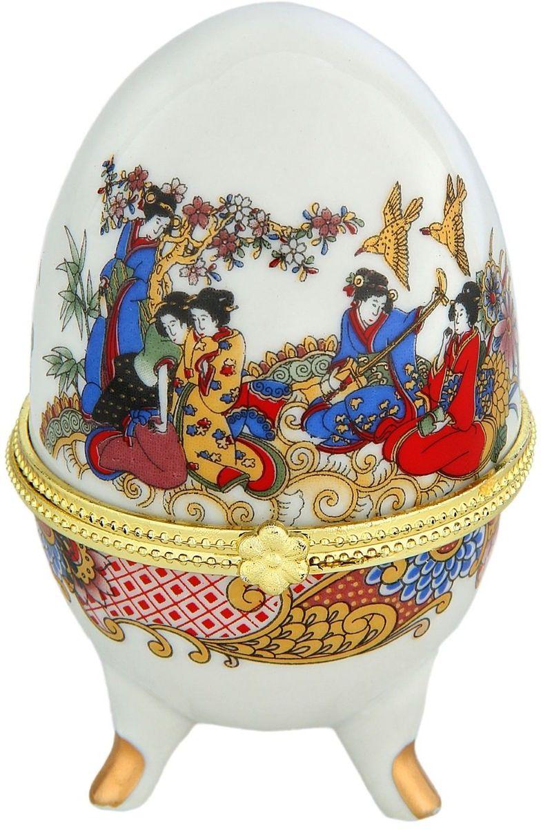 Шкатулка Sima-land Древний Китай, 6 х 6 х 10 см763916Шкатулка для украшений, выполненная в форме яйца, за последние годы стала традиционным и очень популярным пасхальным подарком. Витыеузоры и рисунки, искусно сочетаясь между собой, создают целостную композицию, украшающую ее поверхность. Шкатулка крепится на трехизогнутых ножках и эффектно смотрится на полке, комоде, камине или в серванте. В ассортименте представлены шкатулки разных цветов,декорированные затейливыми узорами, цветами и прочими элементами. Изысканный и утонченный подарок к самому главному православномупразднику!