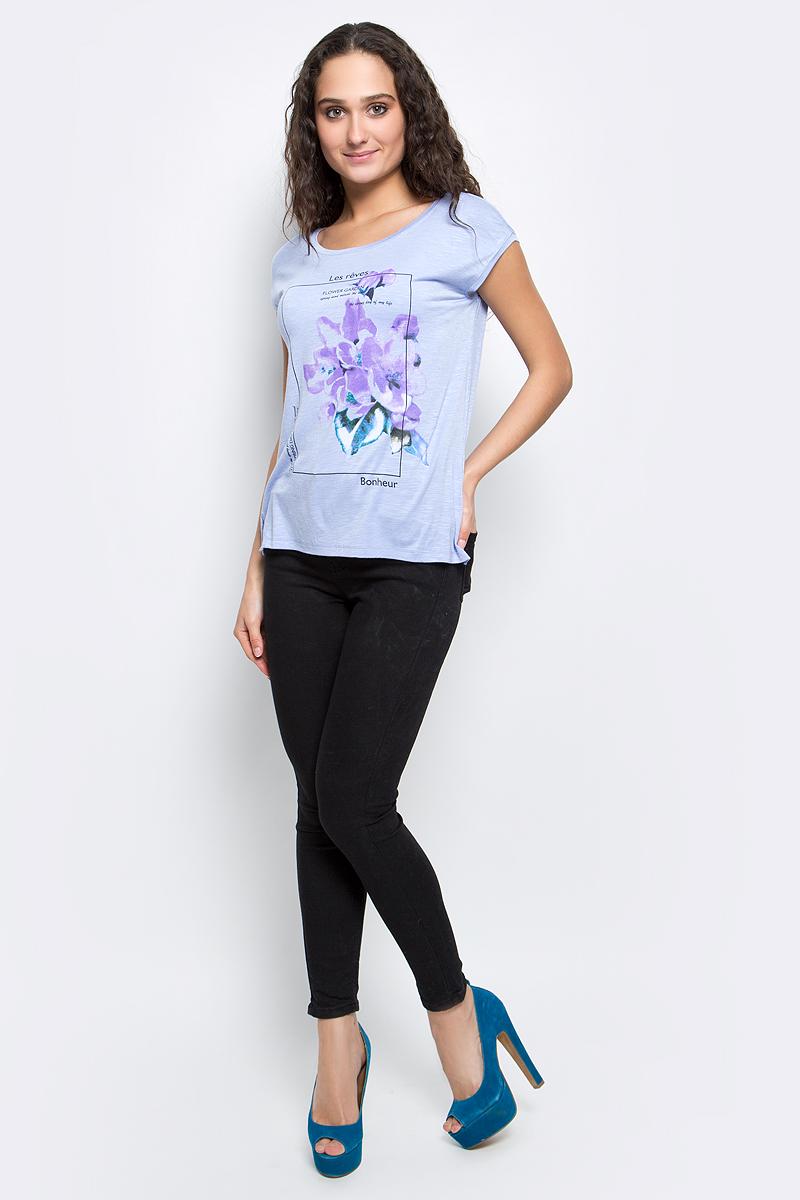 Футболка женская Baon, цвет: светло-голубой. B237029_Myosotis. Размер M (46)B237029_MyosotisСтильная женская футболка Baon изготовлена из вискозы с небольшим добавлением эластана. Материал очень мягкий и приятный на ощупь. Модель прямого кроя с круглым вырезом горловины и короткими рукавами спереди оформлена цветочным принтом. По бокам предусмотрены небольшие разрезы. Такая футболка займет достойное место в вашем гардеробе.