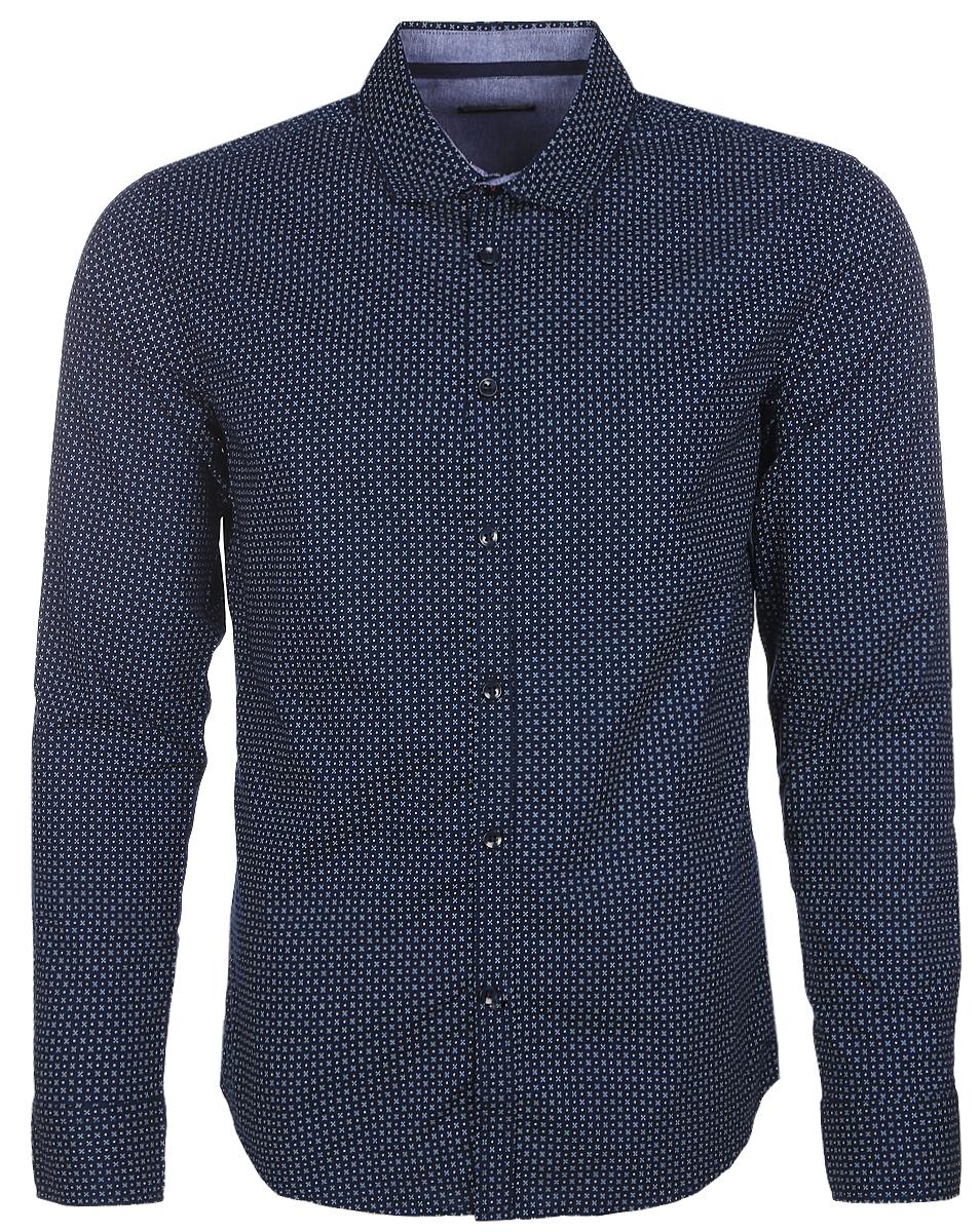 Рубашка мужская Baon, цвет: темно-синий. B667006_Deep Navy Printed. Размер XXL (54)B667006_Deep Navy PrintedСтильная мужская рубашка Baon, выполненная из натурального хлопка, позволяет коже дышать, тем самым обеспечивая наибольший комфорт при носке. Модель классического кроя с отложным воротником и длинными рукавами застегивается на пуговицы по всей длине. Манжеты рукавов также застегиваются на пуговицы. Изделие оформлено оригинальным принтом.