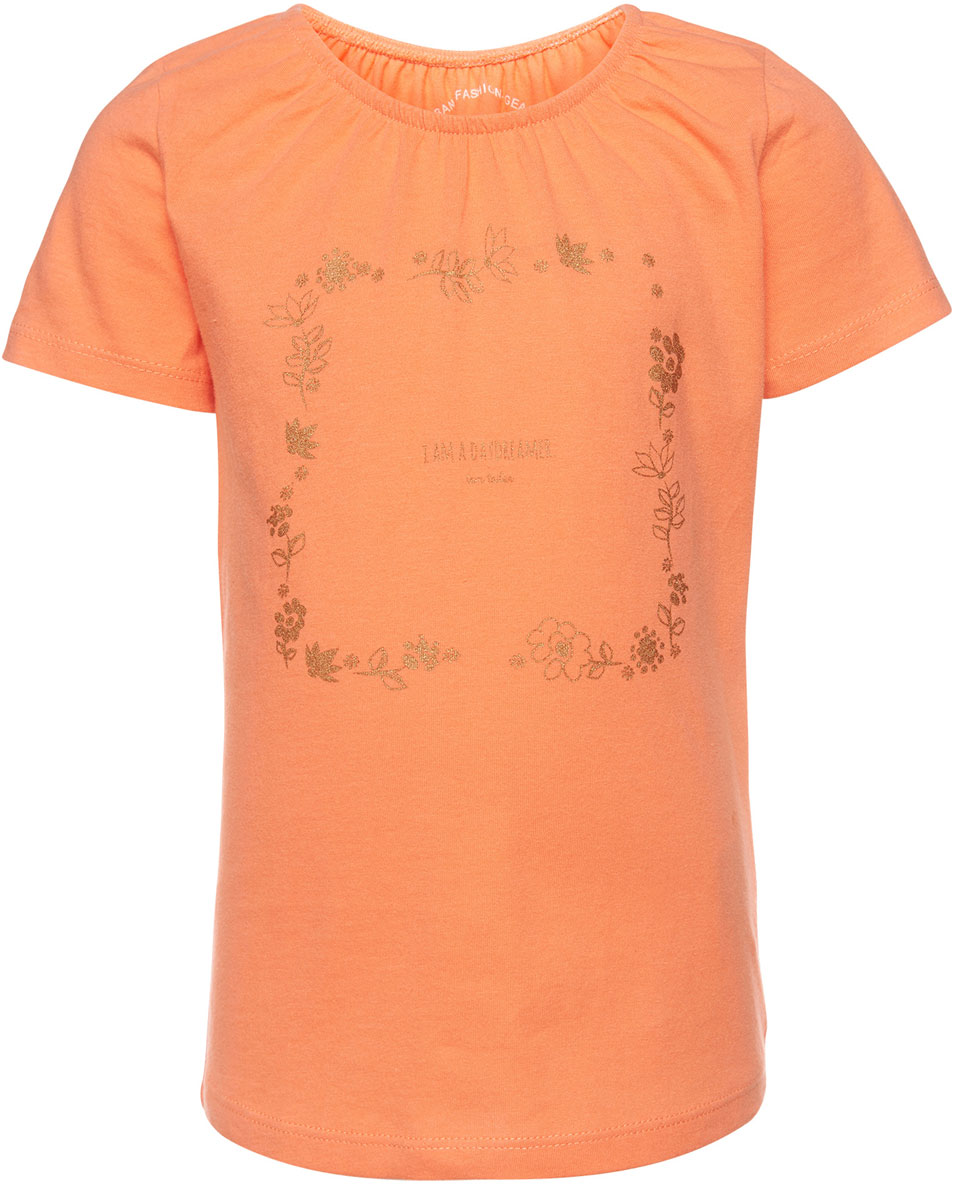 Футболка для девочки Tom Tailor, цвет: оранжевый. 1037041.00.81_3335. Размер 116/1221037041.00.81_3335Футболка для девочки Tom Tailor выполнена из натурального хлопка. Модель с круглым вырезом горловины и короткими рукавами оформлена оригинальным принтом, украшенным блестящим напылением. Воротник присборен на резинку, образующую небольшие складки.
