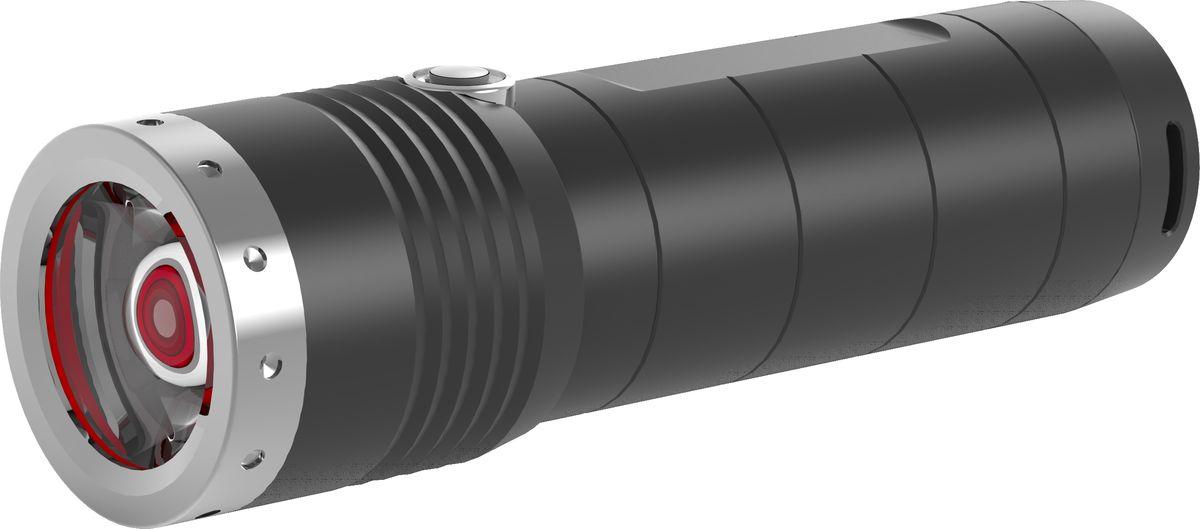 Фонарь LED Lenser MT6, с аккумулятором, цвет: черный. 500845500845Аккумуляторный фонарь LED Lenser MT6 отлично подойдет в походах, на рыбалки или охоте. Его корпус выполнен из алюминия.Характеристика:- Инновационные системы – SLT (3 режима+стробоскоп);- AFS;- Быстрый фокус RF;- Световой поток- 600 лм;- Дальность - 260 м;- Время свечения в экономичном режиме - 192 часа;- 1 белый светодиод СREE - Xtreme LED;- Питание -3XAA, 1.5V;- Мощность -2 800 mAh;- Защита от перегрева, от случайного включения;- IPX-4.Длина - 141 мм. Вес - 250 г.В комплекте: нейлоновый чехол, темляк, инструкция.