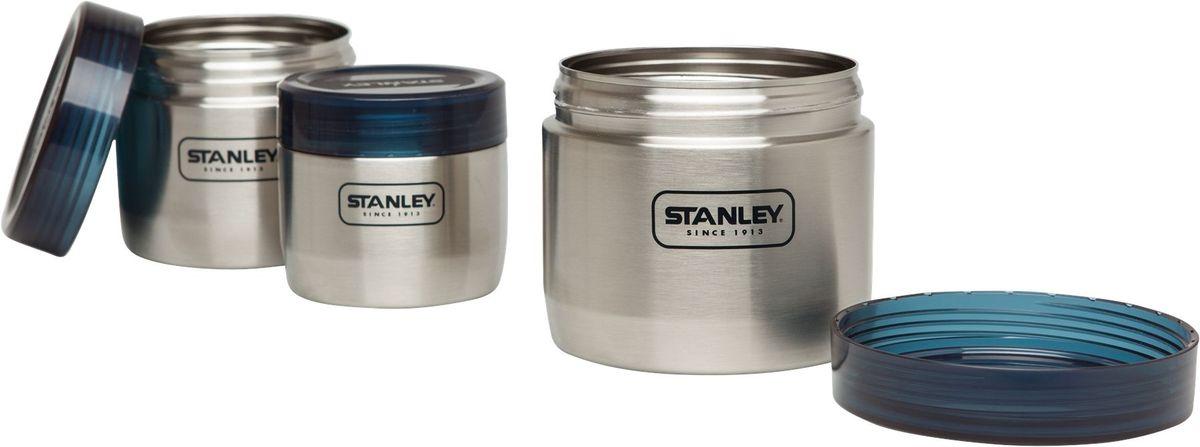 Набор контейнеров Stanley Adventure, цвет: стальной, 3 шт10-02108-002Набор Stanley Adventure состоит из трех контейнеров, предназначенных дляхранения и транспортировки пищи. Корпус контейнеров, выполненный из нержавеющей стали, оснащен резьбой для завинчивания крышек. Крышки выполнены из полупрозрачного синего пластика. В комплекте контейнеры различных объемов (1, 0,65 и 0,41 л), каждый из которых вставляется в контейнер большего объема, что экономит пространство при хранении в шкафу.Можно мыть в посудомоечной машине.
