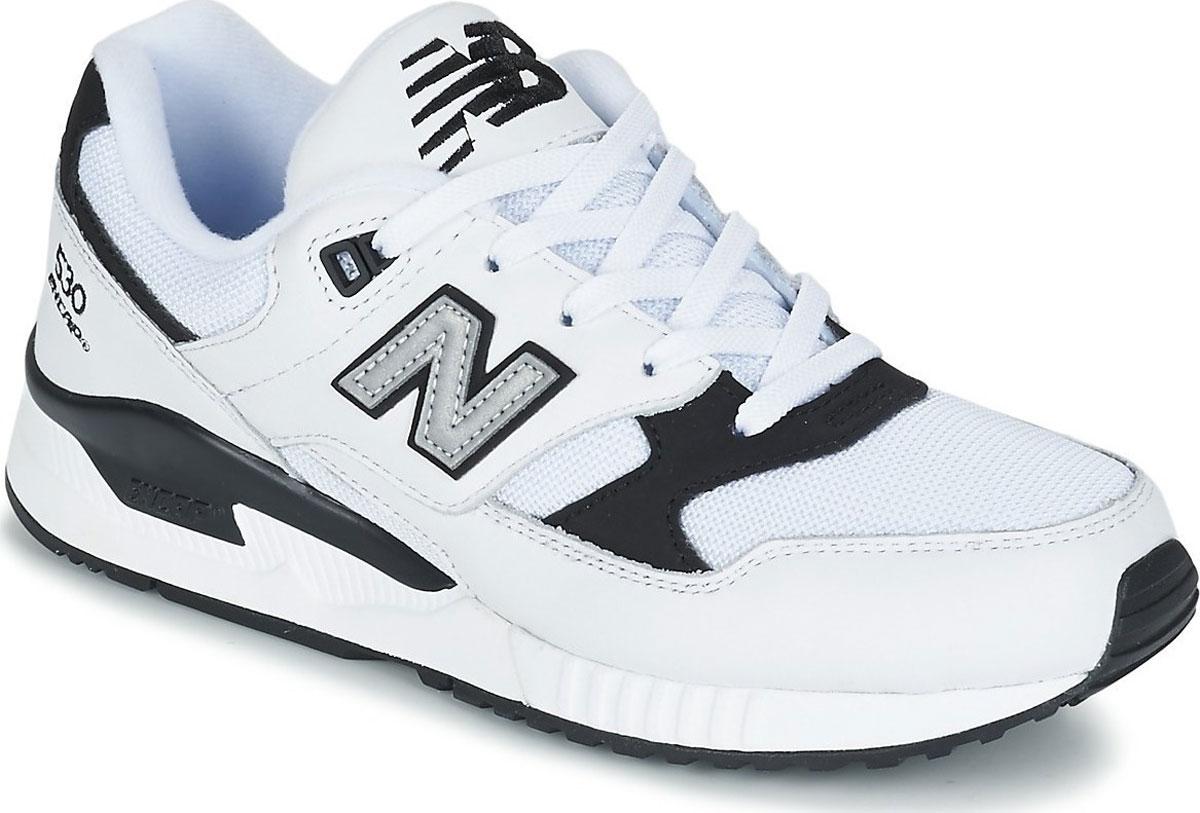 Кроссовки мужские New Balance 530, цвет: белый, черный. M530LGA/D. Размер 10 (44)M530LGA/DСтильные мужские кроссовки от New Balance придутся вам по душе. Верх модели выполнен из высококачественныхматериалов. По бокам обувь оформлена декоративными элементами в виде фирменного логотипа бренда, на язычке - фирменной вышивкой, задник надписью. Классическая шнуровка надежно зафиксирует изделие на ноге. Подкладка и стелька, изготовленные из текстиля, гарантируют уют и предотвращают натирание. Подошва оснащена рифлением для лучшей сцепки с поверхностями. Удобные кроссовки займут достойное место среди коллекции вашей обуви.