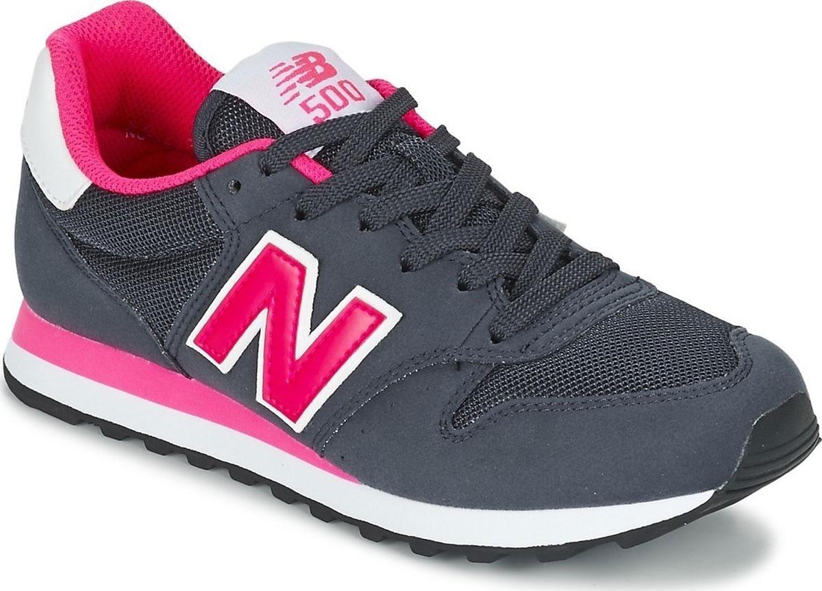 Кроссовки женские New Balance 500, цвет: темно-синий, малиновый. GW500NWP/B. Размер 5,5 (36)GW500NWP/BСтильные женские кроссовки от New Balance придутся вам по душе. Верх модели выполнен из высококачественных материалов. По бокам обувь оформлена декоративными элементами в виде фирменного логотипа бренда, на язычке - фирменной нашивкой. Классическая шнуровка надежно зафиксирует изделие на ноге. Мягкая верхняя часть и подкладка, изготовленная из текстиля, гарантируют уют и предотвращают натирание. Стелька из текстиля обеспечивает комфорт. Подошва оснащена рифлением для лучшей сцепки с поверхностями. Удобные кроссовки займут достойное место среди коллекции вашей обуви.