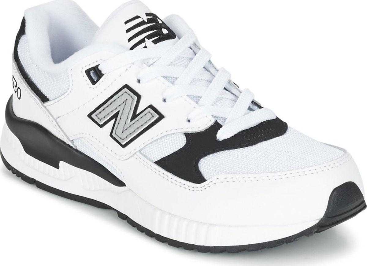 Кроссовки для мальчиков New Balance, цвет: белый, серый. KL530LBP/M. Размер 12,5 (30,5)KL530LBP/MМодные кроссовки от New Balance очаруют вашего ребенка с первого взгляда! Модель изготовлена из текстиля и искусственной кожи. Модель дополнена, на язычке фирменной нашивкой. По бокам обувь оформлена декоративными нашивками в виде логотипа бренда. Классическая шнуровка надежно зафиксирует обувь на ноге. Подкладка из текстиля, обеспечит комфорт и уют детским ножкам. Подошва с рифлением гарантирует отличное сцепление с любыми поверхностями. Стильные кроссовки займут достойное место в гардеробе вашего ребенка.