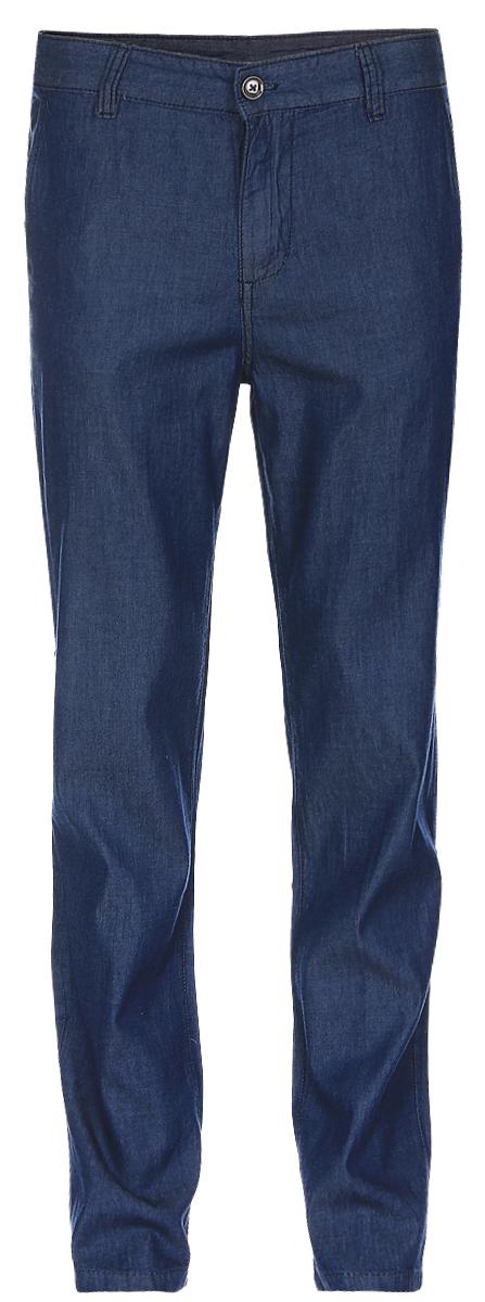 Брюки мужские Baon, цвет: синий деним. B797017_Blue Denim. Размер M (48)B797017_Blue DenimСтильные мужские брюки Baon выполнены из натурального хлопка. Модель прямого кроя и стандартной посадки застегивается на ширинку с застежкой-молнией, а также на пуговицу в поясе. На поясе предусмотрены шлевки для ремня. Брюки оснащены двумя боковыми карманами с косыми срезами спереди и двумя втачными карманами на пуговицах сзади.