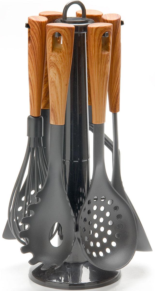 Набор кухонных принадлежностей Mayer & Boch, на подставке, цвет: коричневый, серый, 7 предметов. 2686426864Набор кухонных принадлежностей Mayer & Boch очень удобен в использовании. В набор входит пресс для картофеля, лопатка с прорезями, половник, шумовка, венчик, ложка для спагетти. Рабочая поверхность предметов выполнена из нейлона. Длинные эргономичные нескользящие пластиковые ручки защитят ваши руки от ожогов. Предметы набора не окислятся со временем и не испортят вкус блюд. Набор имеет стильную стойку-подставку, которая прекрасно впишется в любой кухонный интерьер. Набор кухонных принадлежностей Mayer & Boch придаст вашей кухне элегантность, поднимет ваше настроение и превратит приготовление еды в настоящее удовольствие.