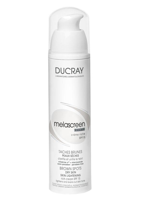 Ducray Легкий отбеливающий крем Melascreen SPF 15 40 млC31550Melascreen (Меласкрин) питательный отбеливающий крем SPF15помогает уменьшить темные пятна, а также возрастные пигментные пятна. • ВИТАМИН С (или аскорбиновая кислота) блокирует фермент, участвующий в избыточном синтезе меланина. За счет своего антиоксидантного действия витамин С способствует снижению интенсивности окрашивания пигментных пятен, насыщенность окраски которых обусловлена, в том числе, и окислением меланина под воздействием свободных радикалов.При нанесении крема на кожу происходит постепенное высвобождение витамина С в форме аскорбил глюкозида, что обеспечивает длительное действие средства.• НИАЦИНАМИД блокирует распределение и перенос синтезированного меланина к поверхности кожи.
