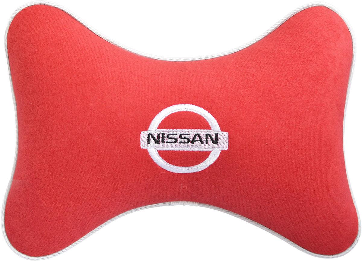 Подушка на подголовник Auto Premium Nissan, цвет: красный. 3746337463Подушка на подголовник - это прежде всего лучший способ создать комфорт для шеи и головы во время пребывания в автомобильном кресле. Большинство штатных подголовников устроены так, что до них попросту не дотянуться. Данный аксессуар полностью решает эту проблему, создавая мягкую ортопедическою поддержку. Подушка крепится к сиденью, а это значит один раз поставил - и забыл.Меньше утомляемость - а следовательно выше внимание и концентрация на дороге.Одинакова удобна для пассажира и водителя.Подушка выполнена из велюра.