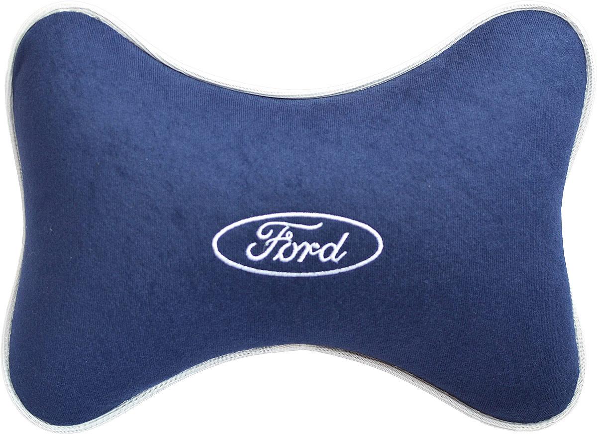 Подушка на подголовник Auto Premium Ford, цвет: синий. 3748437484Подушка на подголовник в машину с вышивкой автологотипа отличное дополнение для салона вашего авто. Мягкая подушка, изготовленная из приятного материала, будет удобна пассажиру. Она долго не перестанет радовать вас своим видом. Оптимальный размер подушки не загромождает салон автомобиля. Размер подушки: 30 х 20 см.
