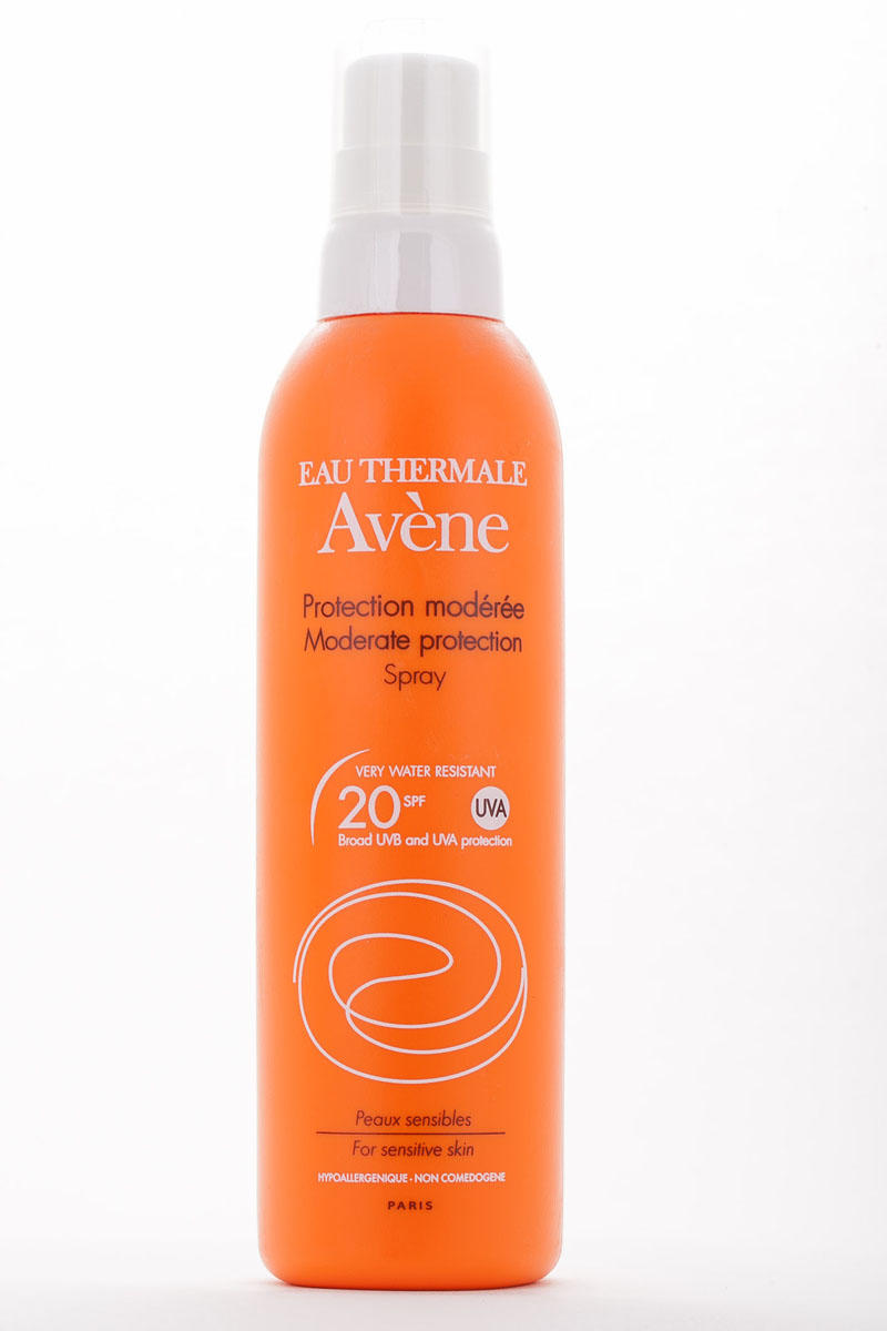 Avene Солнцезащитный спрей SPF20, 200 млC04267Рекомендовано после использования основных индексов, при умеренной инсоляции, при первом солнечном воздействии на смуглую кожу.