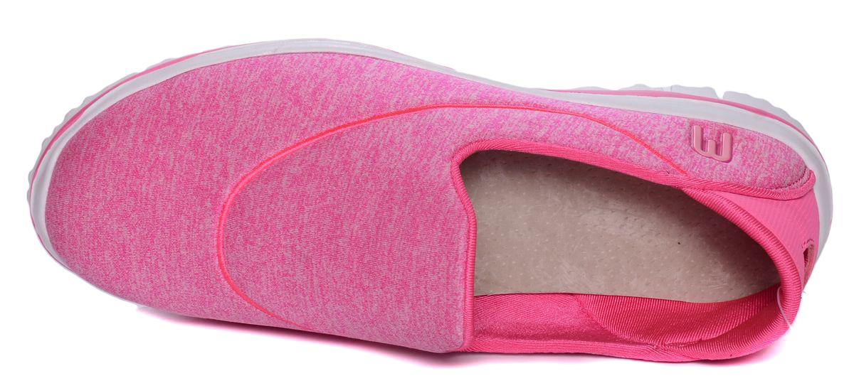 Стильные кроссовки от Mursu - отличный вариант на каждый день. Модель выполнена из качественного текстиля и дополнена декоративными элементами. На заднике предусмотрена эластичная вставка для удобства обувания. Подкладка и стелька из текстиля и кожи обеспечивают комфорт при носке. Гибкая мягкая подошва с рифлением обеспечивает идеальное сцепление с разными поверхностями.