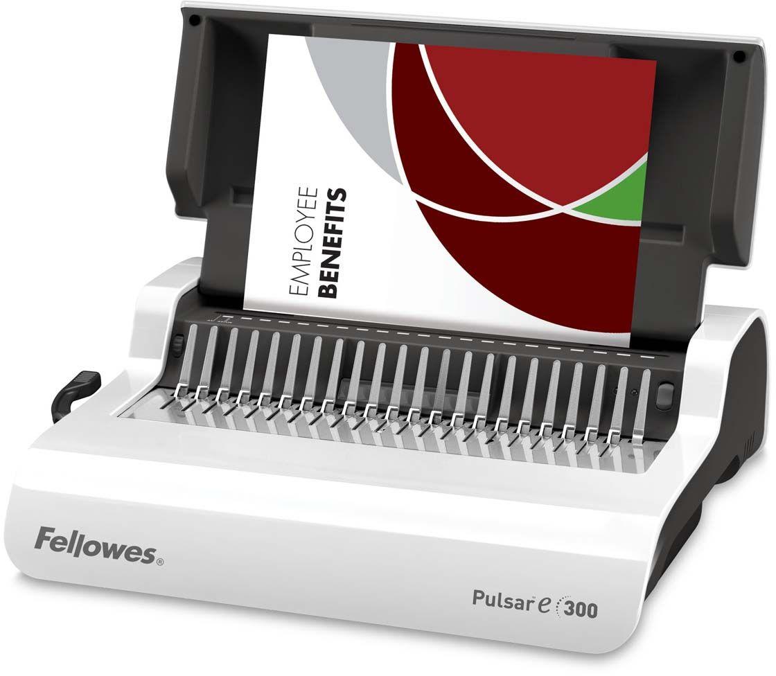 Fellowes Pulsar-E переплетчикFS-56207Pulsar-E 300 – удобный электрический переплетчик на пластиковую пружину. Предназначен для нерегулярного использования в малом или среднем офисе. Основные характеристики:Кол-во сшиваемых листов: 300 шт.Кол-во пробиваемых листов: 15 шт.Диапазон диаметра пружины: 6-38 мм.Гарантия: 2 года.Брошюровщик оснащен технологиями, которые ускорят и упростят переплет документов: Мощный электропривод для пробития отверстий: Брошюровка будет проходить быстрее и не потребует никаких усилий при перфорации Автоматические створки лотка для отходов: При переполнении лотка для отходов створка лотка автоматически открывается, что сигнализирует о необходимости его опустошения. Эргономичное расположение зубцов: В переплетчиках на пластиковую пружину зубцы располагаются под углом 15?, что облегчает работу над созданием брошюры. Селектор формата: Точное выравнивание листов различных форматов по краю. Селектор диаметра пружин и толщины документа: Простой подбор пружины по толщине документа. Вертикальная загрузка документа: Снижает вероятность перекоса документа во время перфорирования, листы выравниваются под собственным весом.