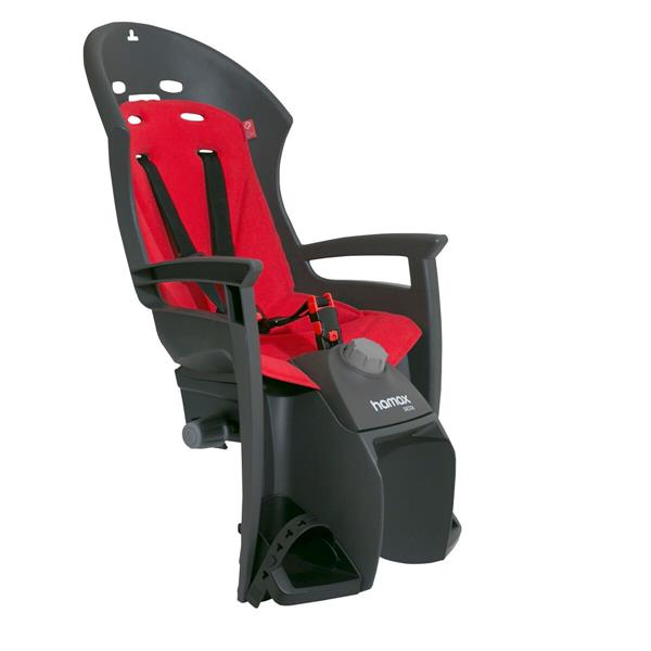 Велокресло детское Hamax Siesta W/Carrier Adapter, на багажник, цвет: черный, красный552505Кресло Hamax Siesta W/Carrier Adapter, выполненное из полипропилена, не боится солнечного воздействия и предназначено для транспортировки детей на велосипеде. Отличительные особенности Hamax Siesta :- Регулировка наклона спинки/спальной позиции (20°).- Запираемый кронштейн крепления.- Проработанная эргономика кресла для максимально комфортной посадки.- 3-точечные ремни безопасности с дополнительным кронштейном для фиксации в районе груди, и обеспечения ребенку безопасной и удобной посадки.- Специальная конструкция пряжек/ремней безопасности фиксации.- Предназначено для детей в возрасте старше 9 месяцев и весом до 22 килограмм.- Регулируемый ремень безопасности и подножки.- Несущие дуги крепления велокресла обеспечивает отличную амортизацию.- Подходит для подседельных труб рамы велосипеда диаметром от 28 до 40 мм. (круглые и овальные).- Система крепления велокресла не мешает тросам переключения передач.