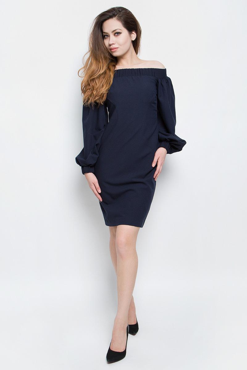 Платье Baon, цвет: темно-синий. B457085_Dark Navy. Размер M (46)B457085_Dark NavyСтильное платье Baon выполнено из плотного материала с эффектом стрейч. Модель с открытыми плечами и длинными объемными рукавами прекрасно сидит и подчеркивает достоинства фигуры. Платье застегивается на металлическую застежку-молнию на спинке. Линия декольте и манжеты рукава дополнены широкой эластичной резинкой. В таком платье вы будете выглядеть модно и эффектно.