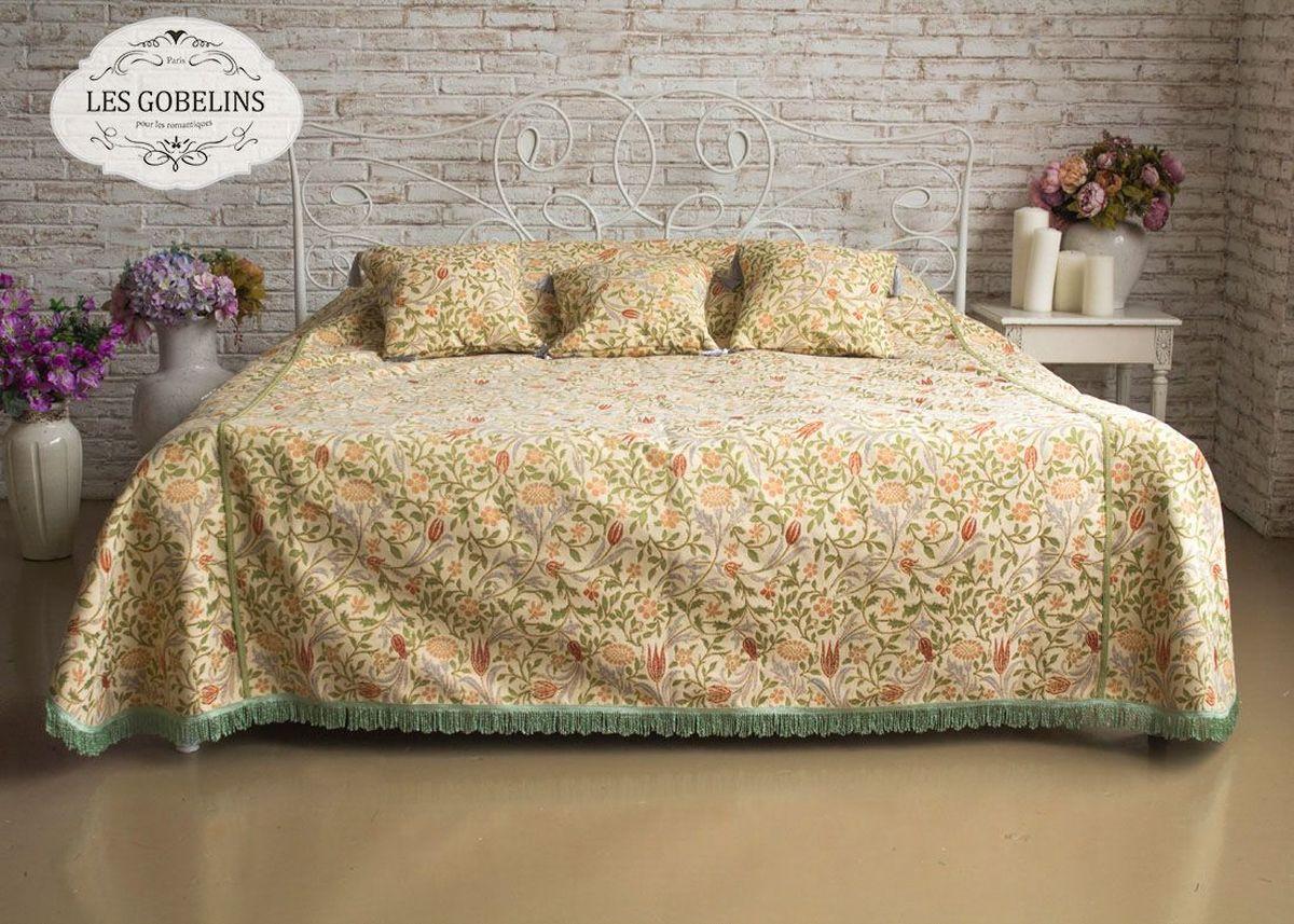 """Покрывало на кровать Les Gobelins """"Muse"""" с ярким цветочным рисунком привлечет к себе внимание и органично впишется в интерьер комнаты. Изделие изготовлено из высококачественной ткани гобелен и оформлено бахромой и кисточками. Необычайная красота сочетается в этом покрывале с высокой прочностью и долговечностью, а свойство гобелена по-разному проявлять себя в зависимости от освещения помещения позволяет открывать все новые и новые детали, которые, как казалось, раньше скрывал гобелен. Красочное и приятное на ощупь покрывало сделает интерьер спальни, детской или гостиной уютнее и своеобразнее.  Состав материала: 52% хлопок, 48% полиэстер."""