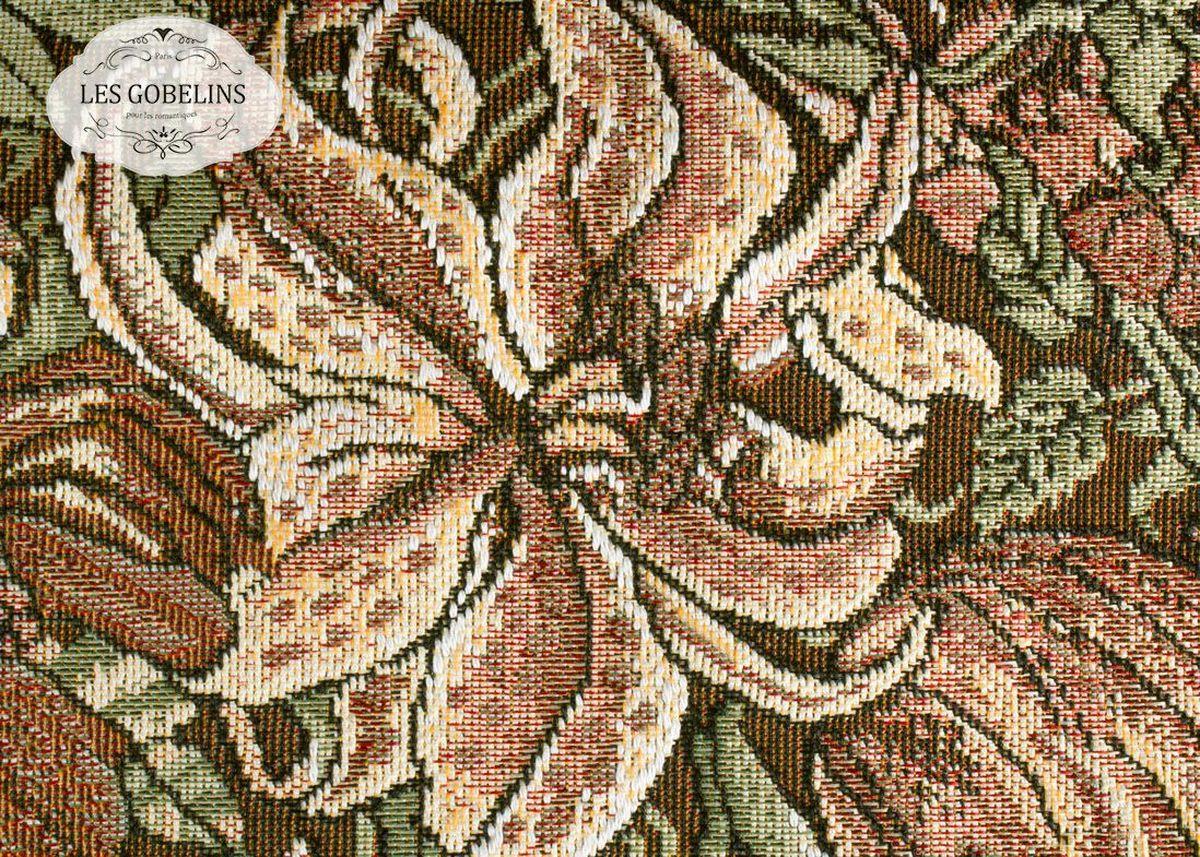"""Покрывало на диван Les Gobelins """"Art Nouveau Lily"""" с ярким цветочным рисунком привлечет к себе внимание и органично впишется в интерьер комнаты. Изделие изготовлено из высококачественной ткани гобелен и оформлено бахромой и кисточками. Необычайная красота сочетается в этом покрывале с высокой прочностью и долговечностью, а свойство гобелена по-разному проявлять себя в зависимости от освещения помещения позволяет открывать все новые и новые детали, которые, как казалось, раньше скрывал гобелен. Красочное и приятное на ощупь покрывало сделает интерьер спальни, детской или гостиной уютнее и своеобразнее.  Состав материала:  50% хлопок, 50% полиэстер."""