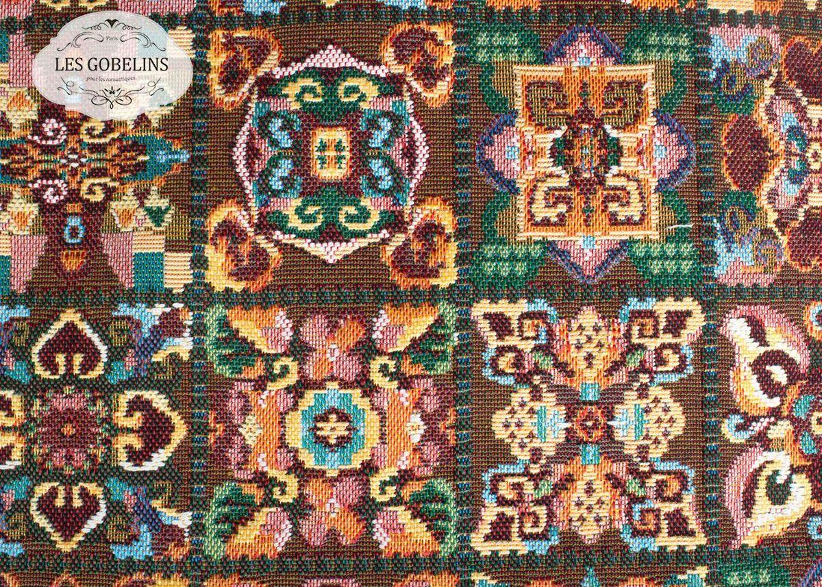 """Покрывало на диван Les Gobelins """"Mosaique De Fleurs"""" с ярким орнаментом привлечет к себе внимание и органично впишется в интерьер комнаты. Изделие изготовлено из высококачественной ткани гобелен и оформлено бахромой и кисточками. Необычайная красота сочетается в этом покрывале с высокой прочностью и долговечностью, а свойство гобелена по-разному проявлять себя в зависимости от освещения помещения позволяет открывать все новые и новые детали, которые, как казалось, раньше скрывал гобелен. Красочное и приятное на ощупь покрывало сделает интерьер спальни, детской или гостиной уютнее и своеобразнее.  Состав материала:  49% хлопок, 51% полиэстер."""