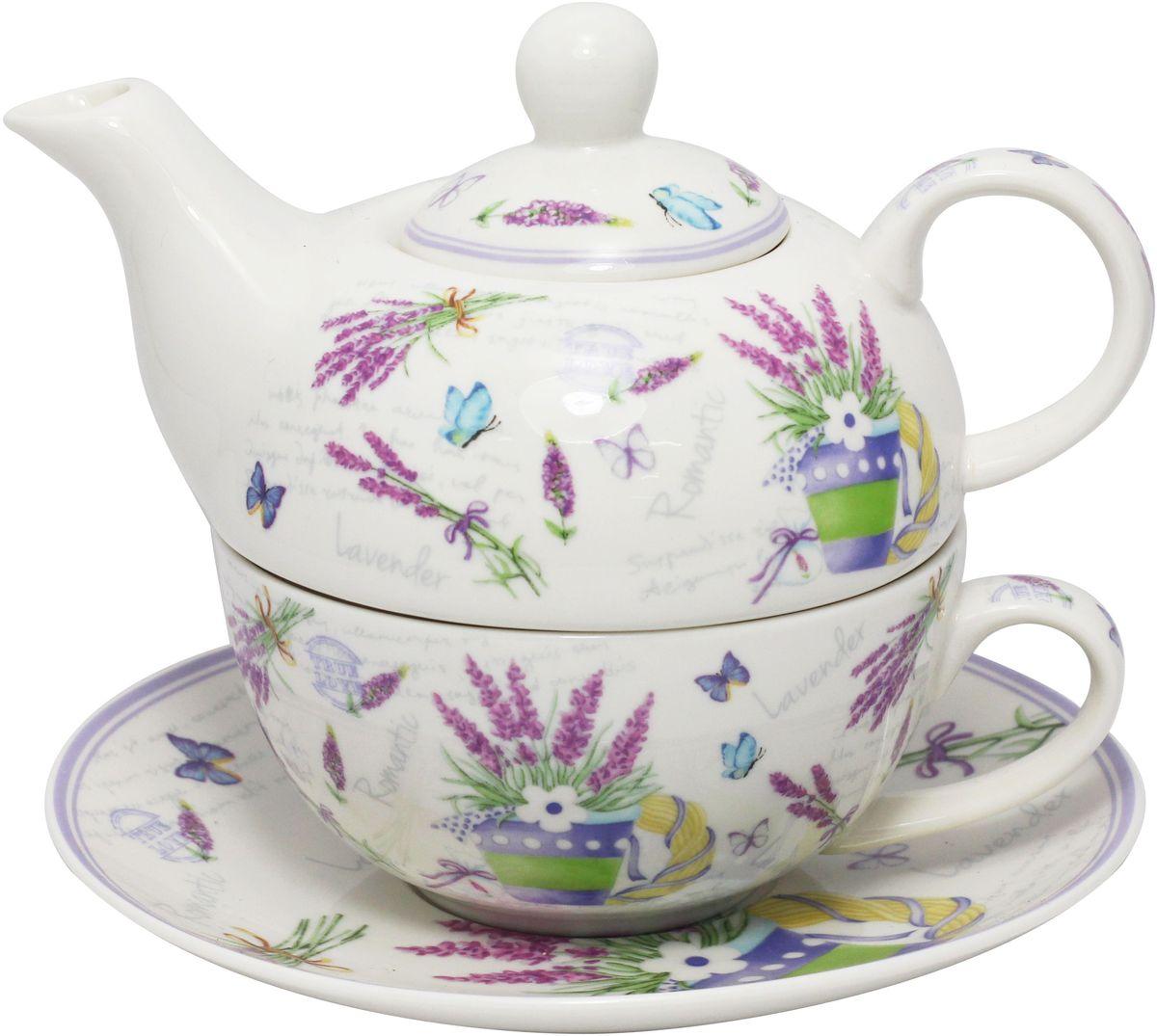 Набор чайный JEWEL Лаванда, 3 предметаПКГО0006Чайный набор JEWEL Лаванда изготовлен из высококачественного фарфора. Набор состоит из чайника, чашки и блюдца. Изделия украшены изящным рисунком и придутся по вкусу как ценителям классики, так и тем кто предпочитает современный стиль.Объем чайника: 400 мл.Объем чашки: 300 мл.Диаметр блюдца: 16,7 см.